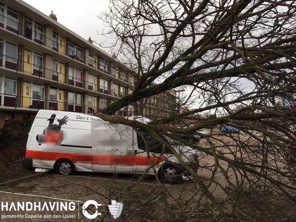 Drukke stormdag voor Handhaving en Stadsbeheer Capelle aan den IJssel