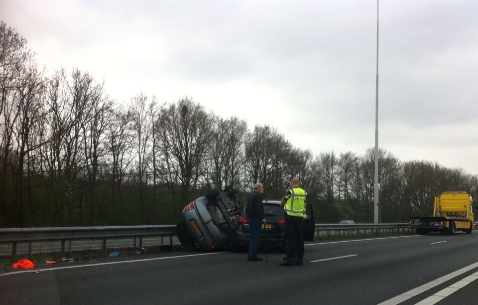 Veel schade na ongeval A20 Rotterdam