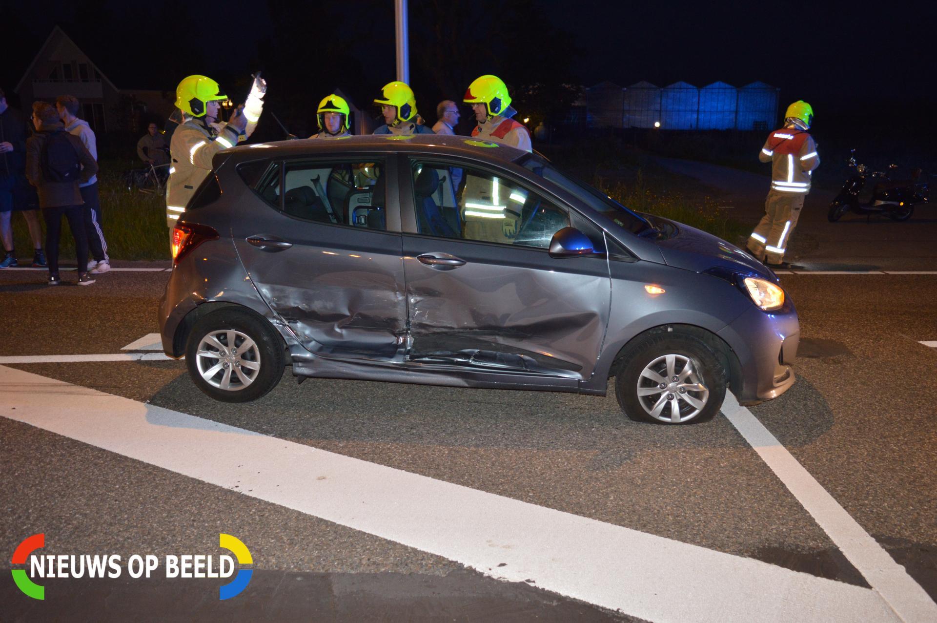 Automobilist neemt de benen na zwaar ongeval Schrijversdijk Brielle