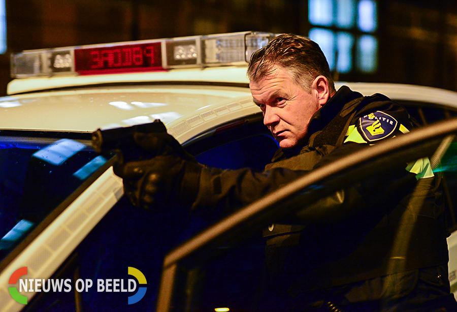 Politie zoekt gewapende overvaller supermarkt Vrijheidslaan Delft