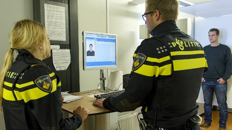 29-jarige Rotterdammer aangehouden voor aanrijding met hoogwerker Suurhoffbrug Rotterdam