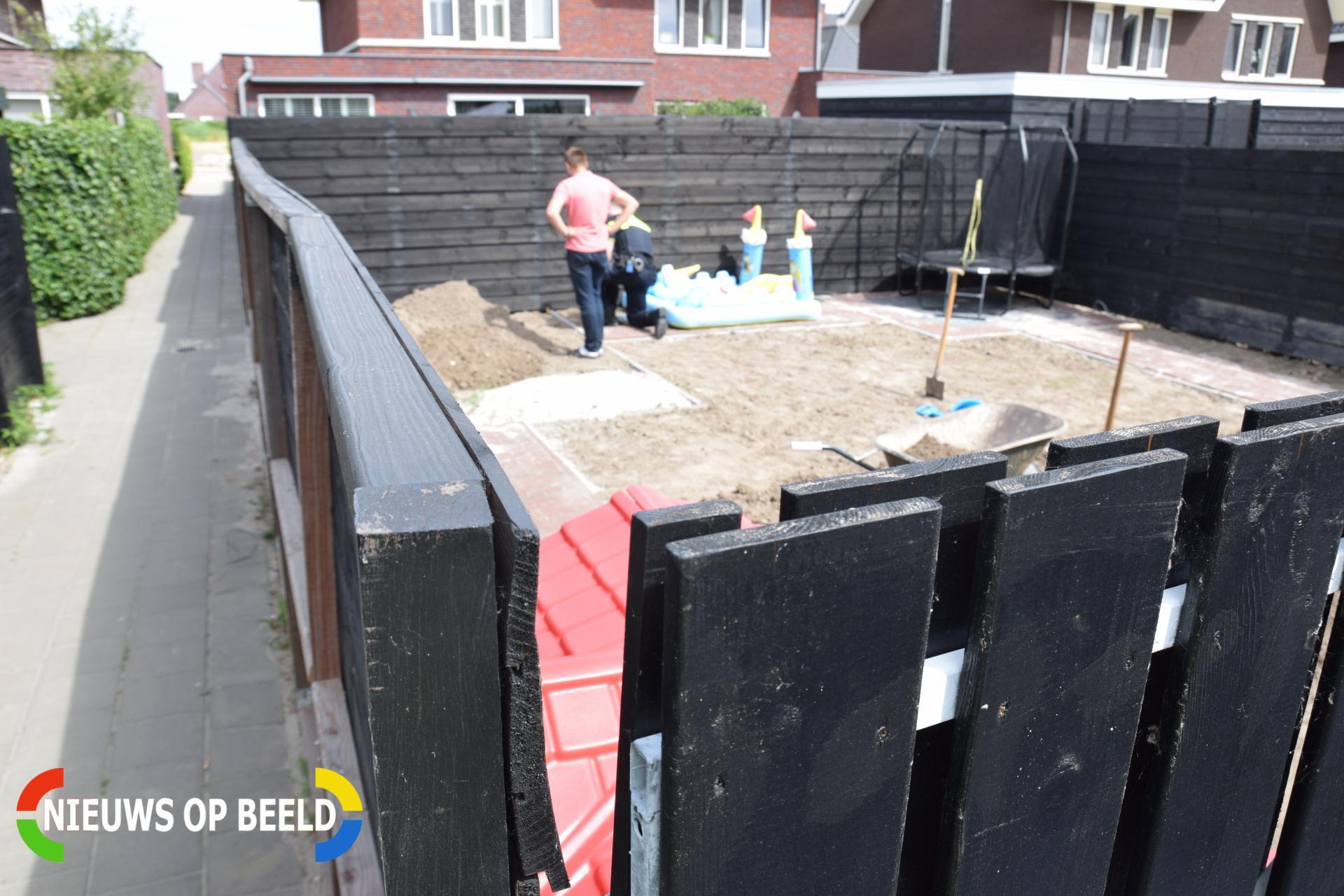 Mogelijk explosief aangetroffen in tuin Stenen Kamer Alblasserdam