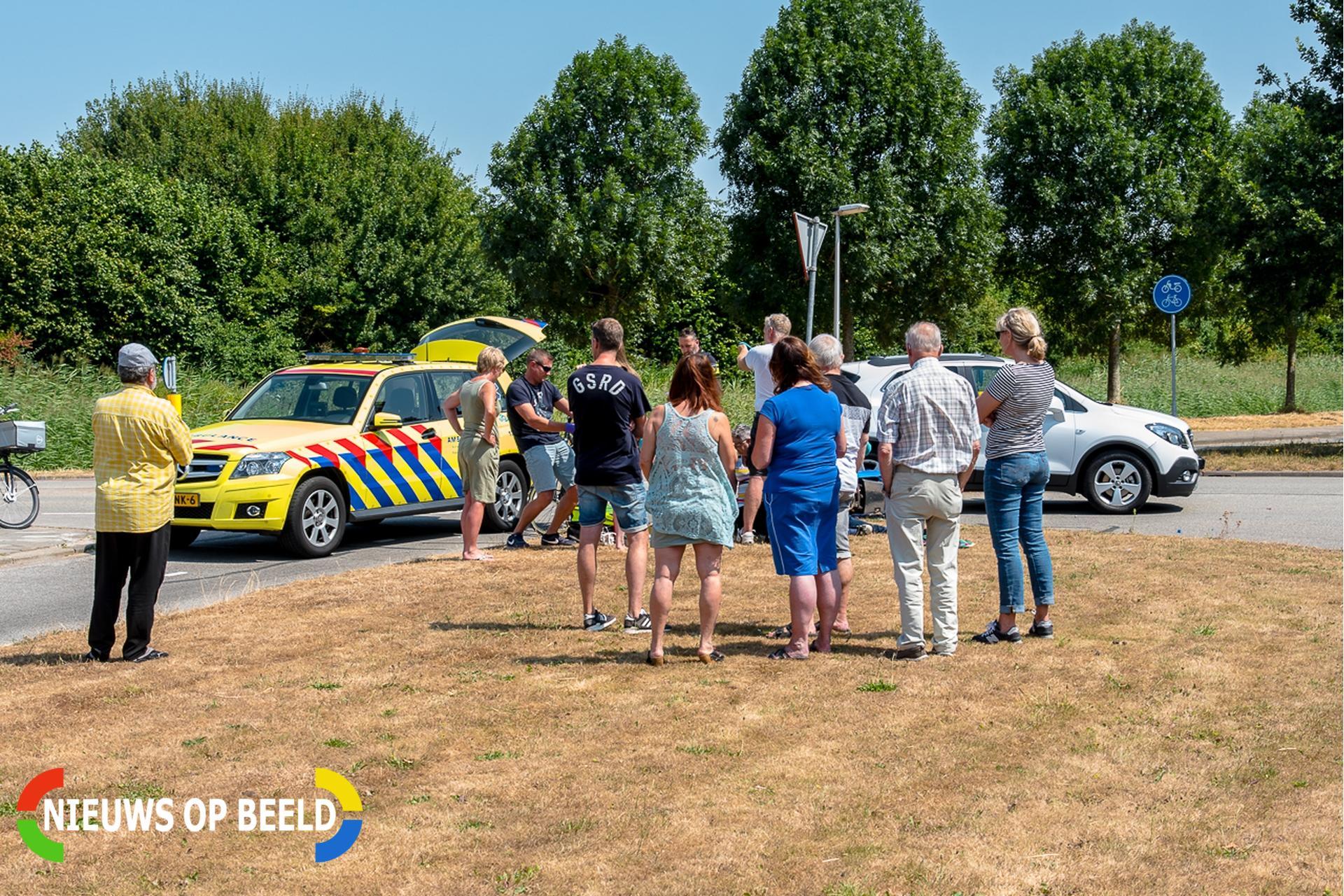 Twee gewonden bij ongeval tussen auto en scooter Zwaardijk Poortugaal