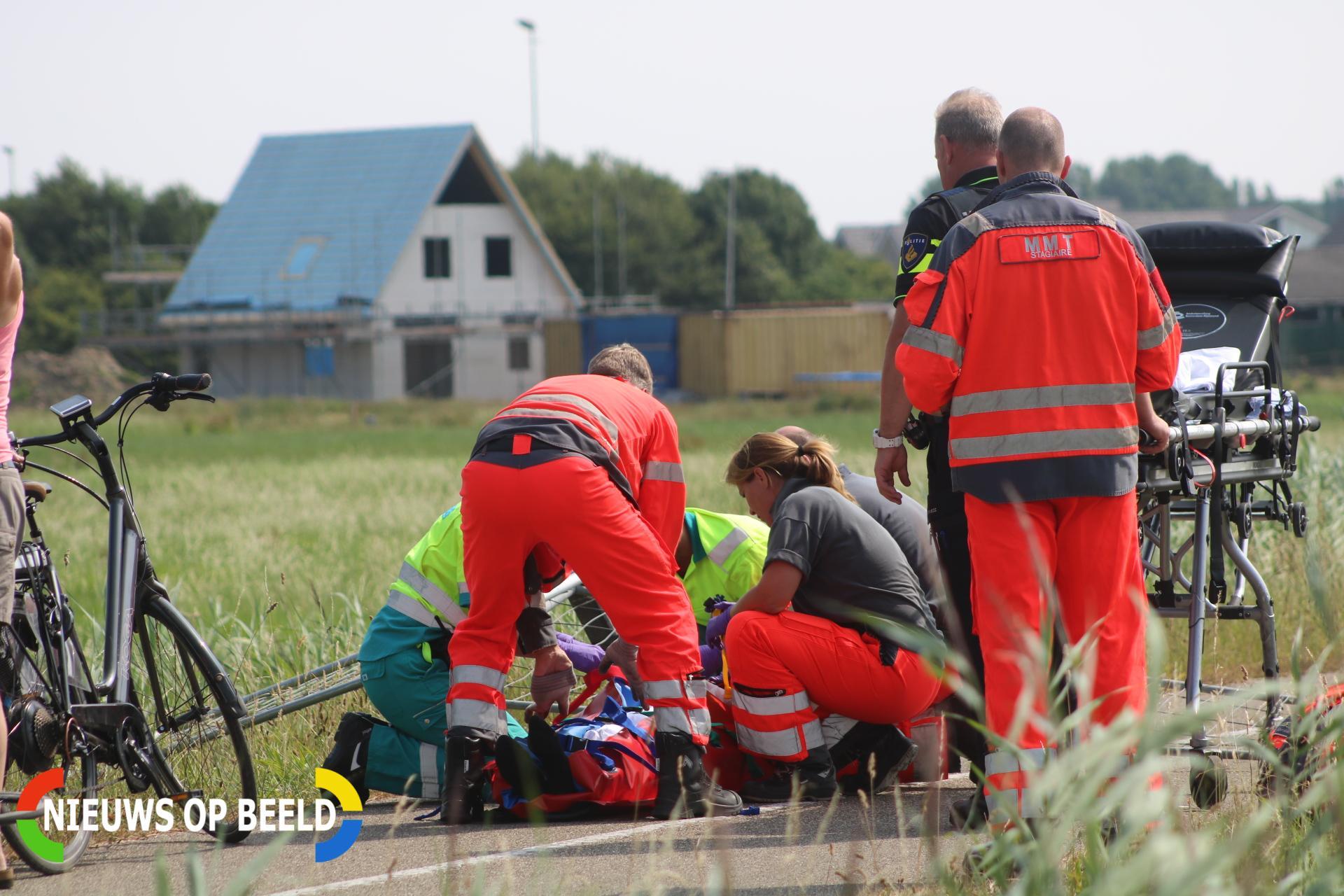 Wielrenner gewond na aanrijding met hekwerk Ramshilseweg Zuidland