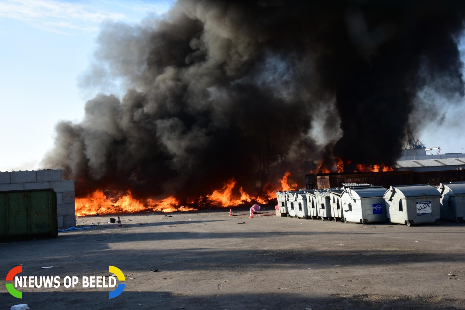 Brand afvalverwerker Renewi geblust Ophemerstraat Rotterdam