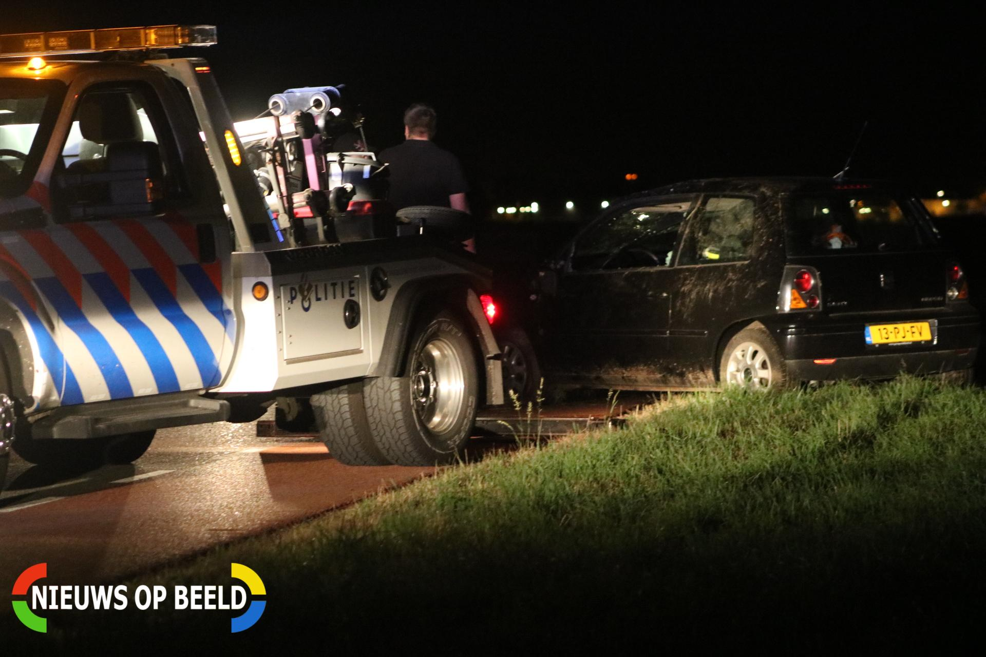 Auto gaat over de kop Haasdijk Abbenbroek