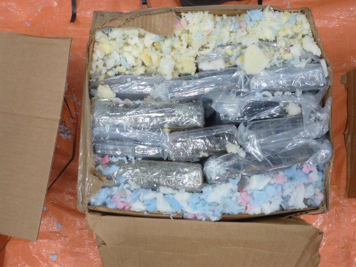 260 kilo cocaïne verstopt in kartonnen dozen met plastic afval in haven van Rotterdam