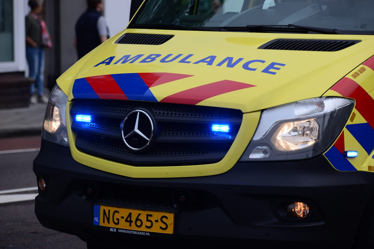 Twee zwaargewonden na ernstig ongeluk Noordzeeweg Rozenburg