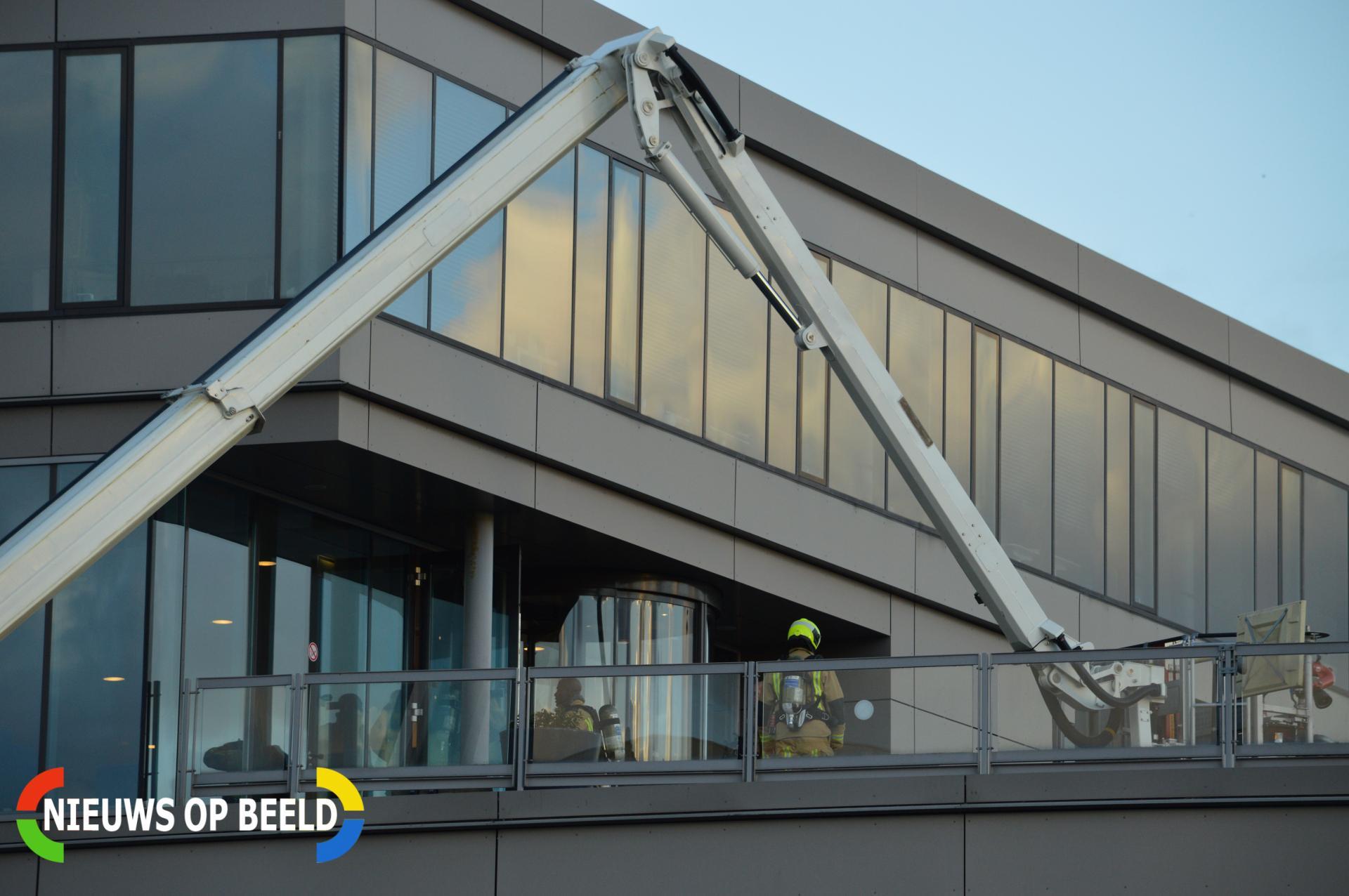 Doorgebrande kabel zorgt voor rookontwikkeling in pand van Yes! Molengraafsingel Delft