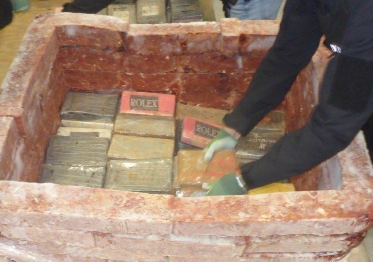 1300 kilo cocaïne tussen de diepgevroren kippenlevertjes Rotterdamse haven