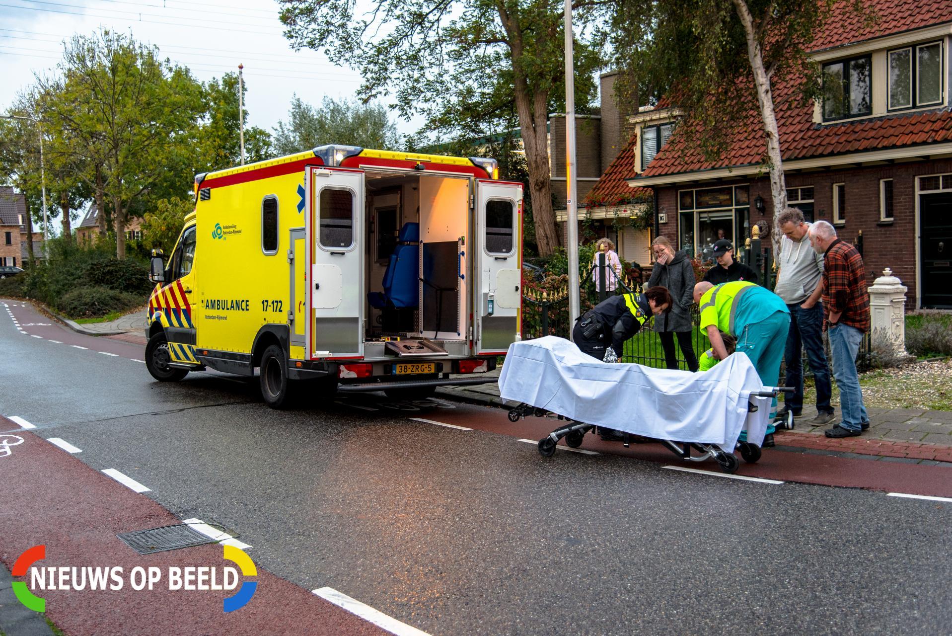 Pizzakoerier gewond na val door glad wegdek Albrandswaardseweg Poortugaal