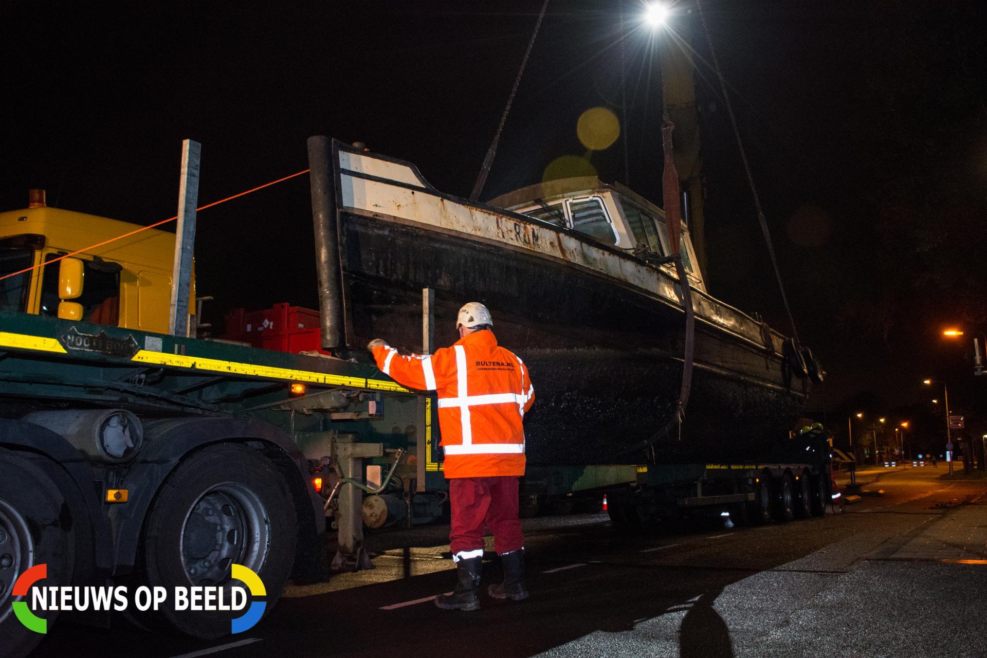 Leiden verwijdert meerdere boten uit singels