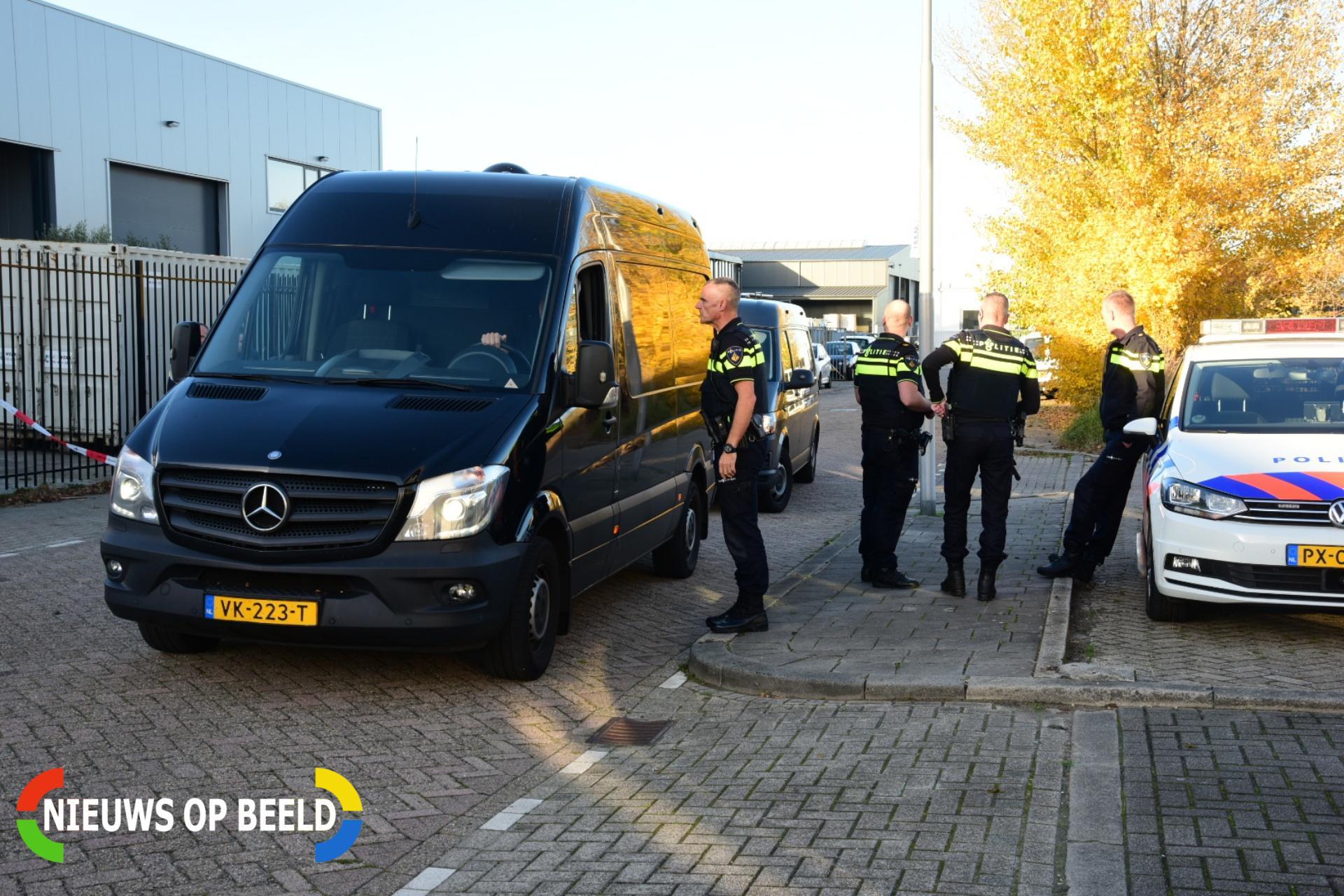 Mogelijk drugslab gevonden na melding van hennepkwekerij Leemansstraat Sliedrecht