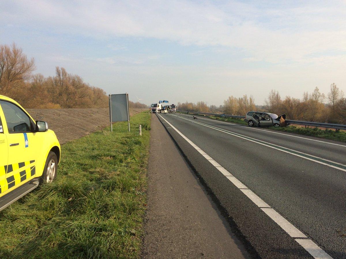 Twee zwaargewonden na ernstige aanrijding N59 Den Bommel