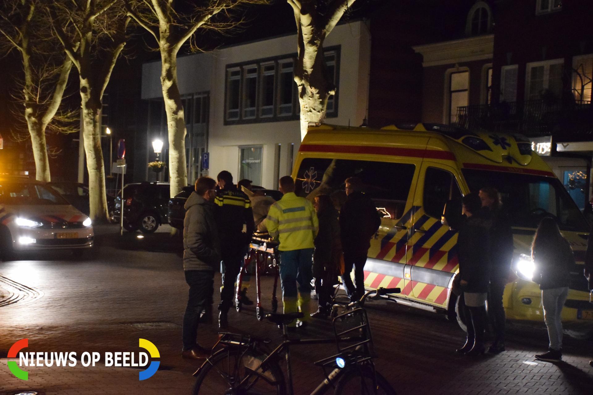 Voetganger gewond na aanrijding met fietser Dorpsplein Stolwijk