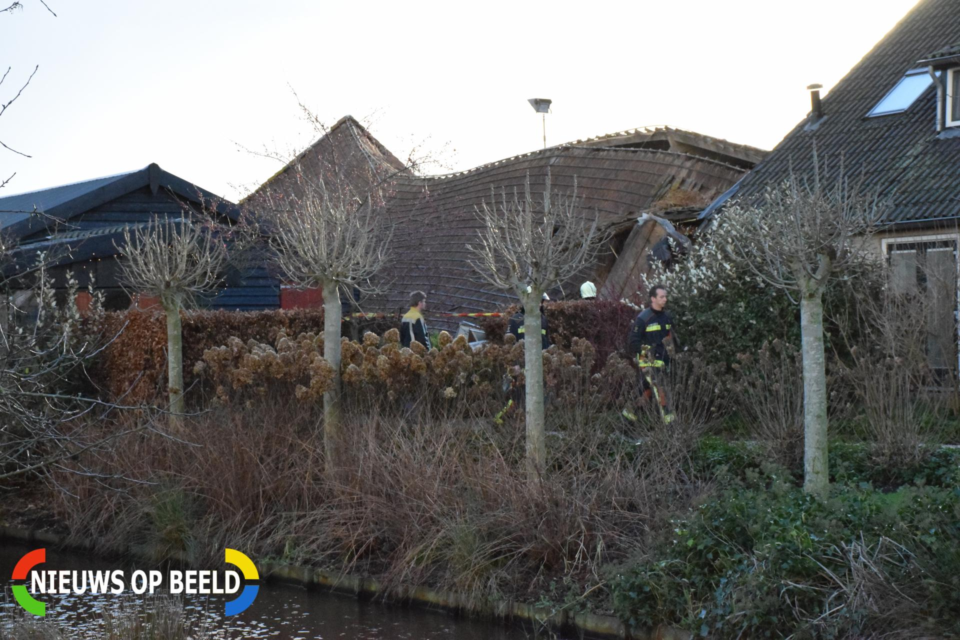 Man gewond bij instorting dak schuur Benedenberg Bergambacht