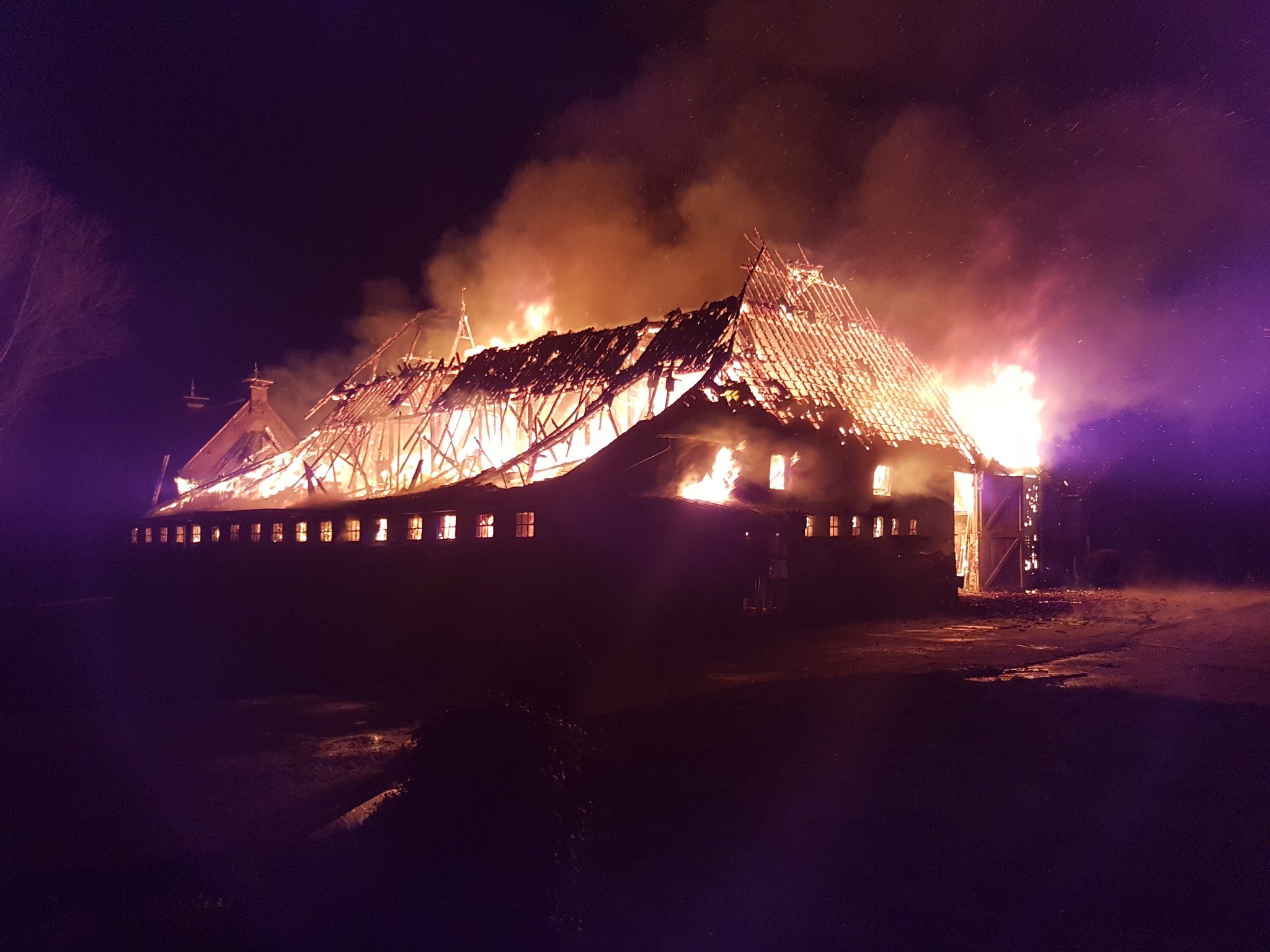 Grote brand in boerderij