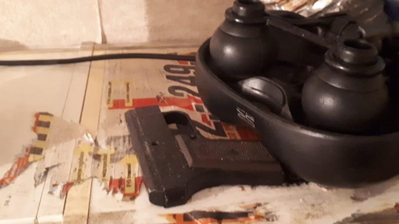 het aangetroffen imitatievuurwapen