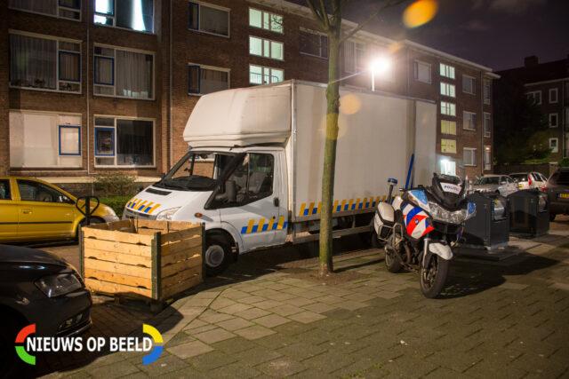 Een gespecialiseerd bedrijf ontmanteld onder toezicht van de politie een hennepkwekerij