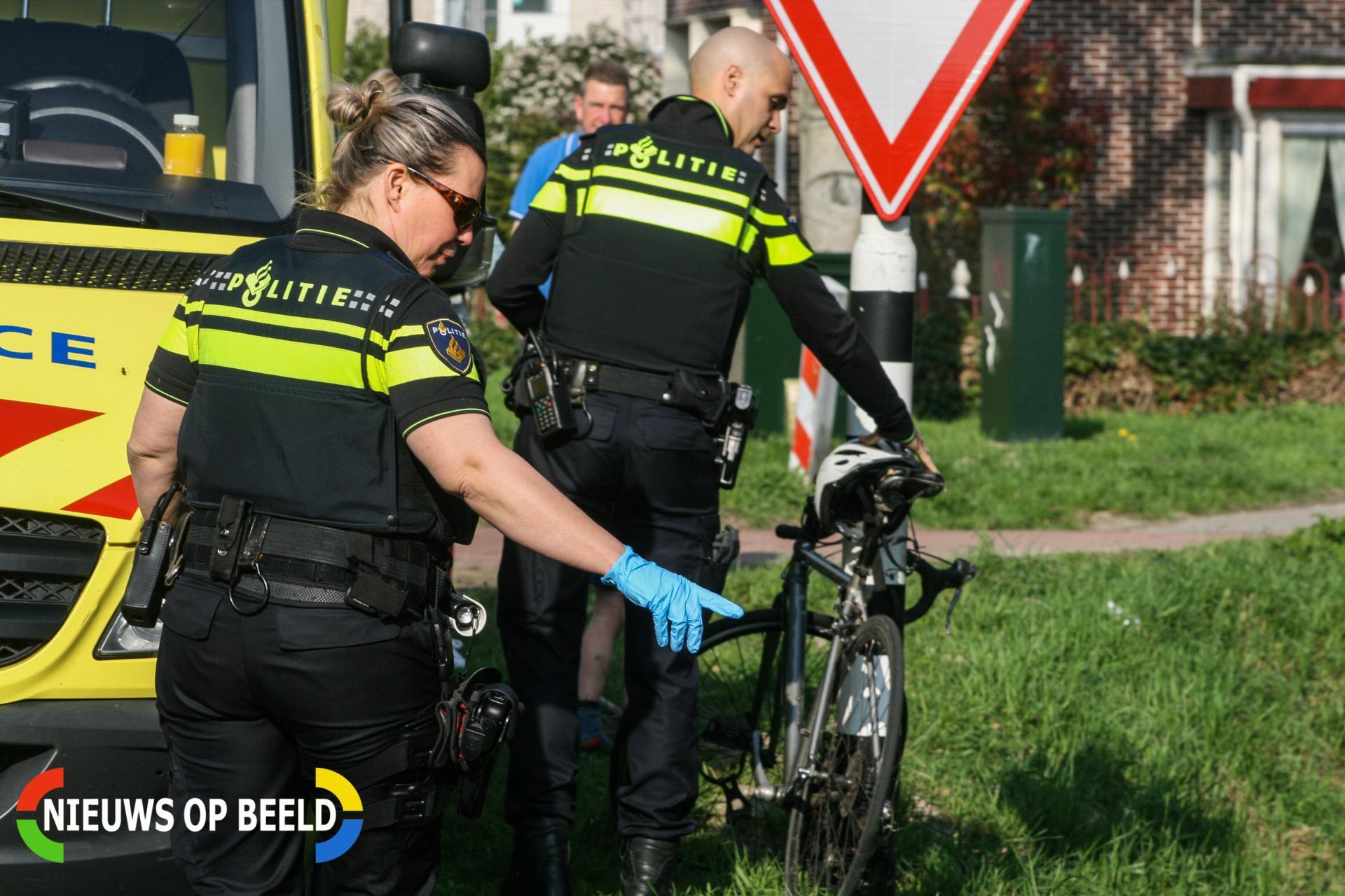 Wielrenner gewond na botsing met auto Beeldsweg Zuidland