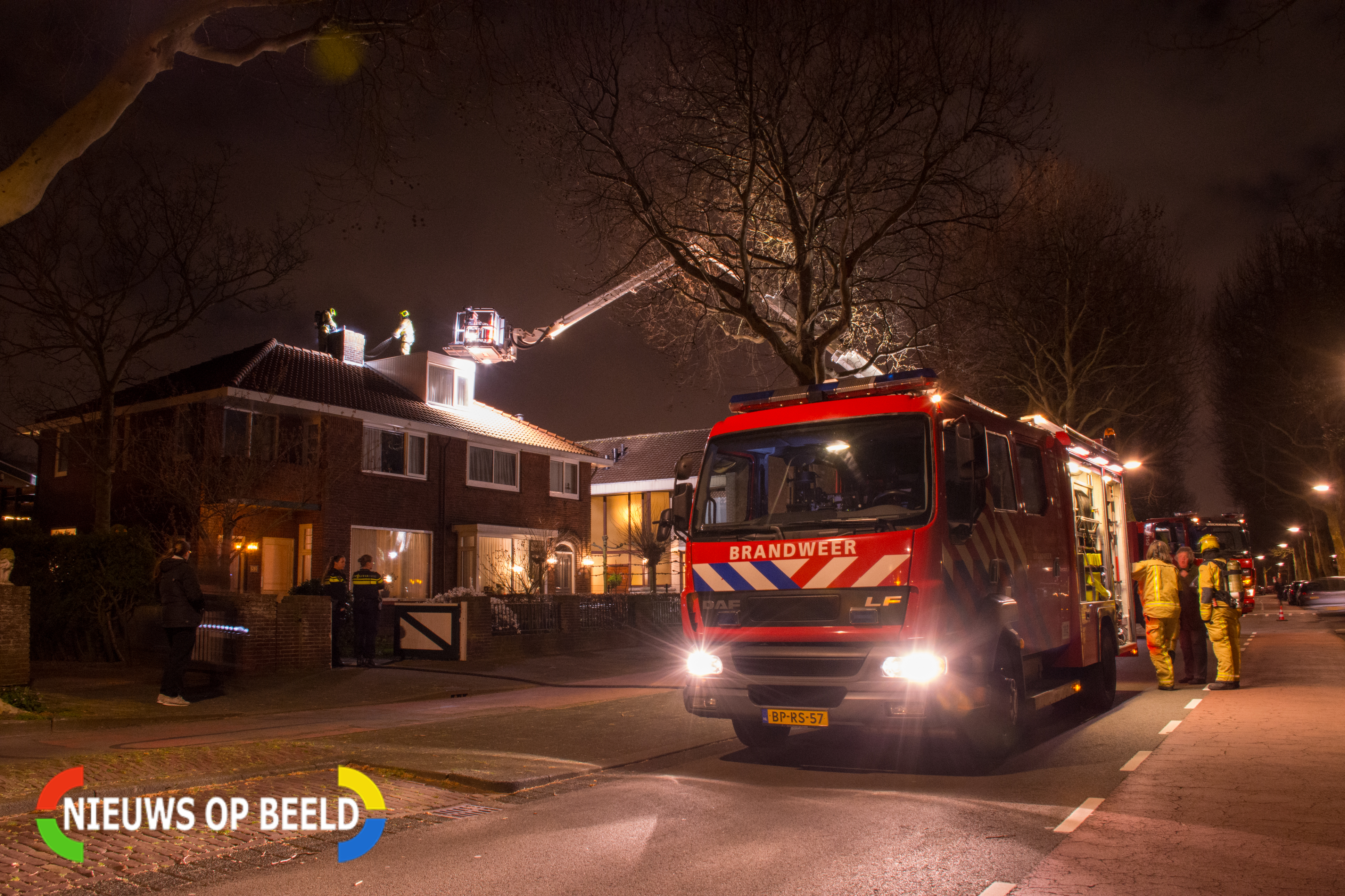 Schoorsteenbrand geblust; 'De vonken vlogen door de straat'