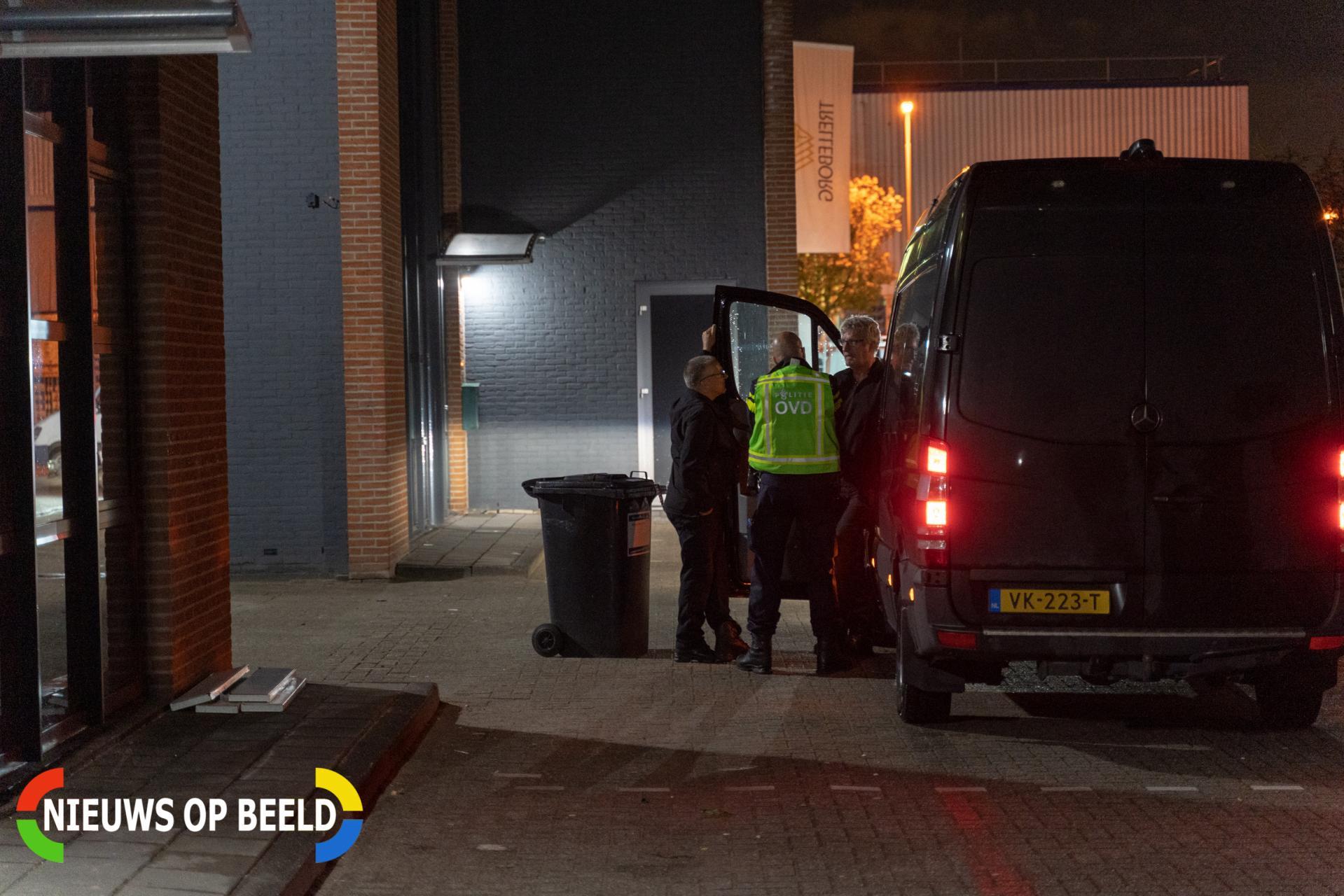 Politie en brandweer onderzoeken langdurig vreemde lucht Zeemanstraat Barendrecht