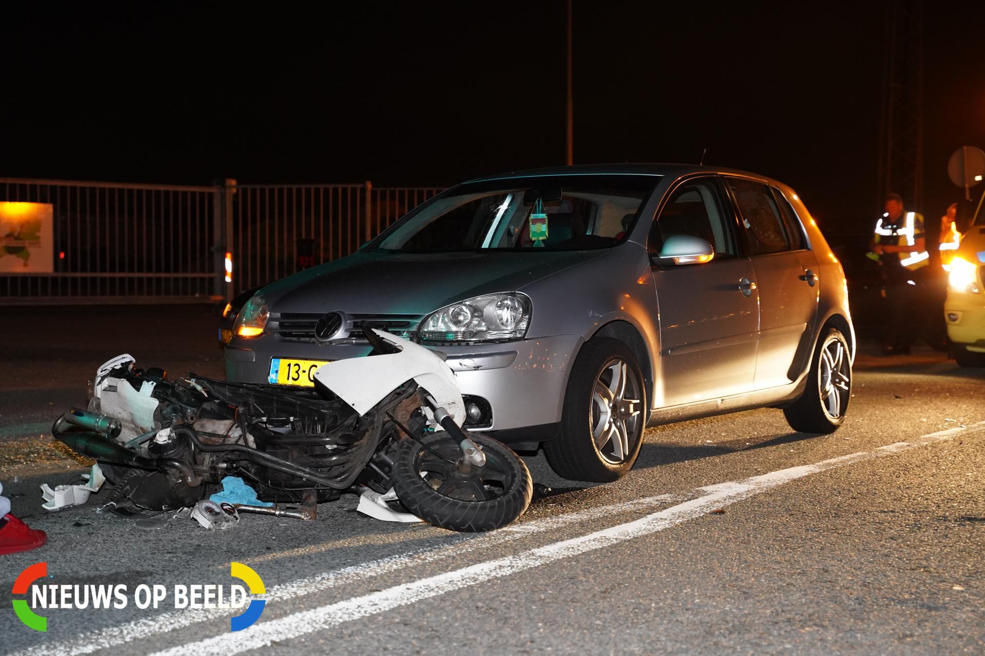 Gewonde na ongeluk tussen scooter en auto Noordelijke Dwarsweg Zevenhuizen