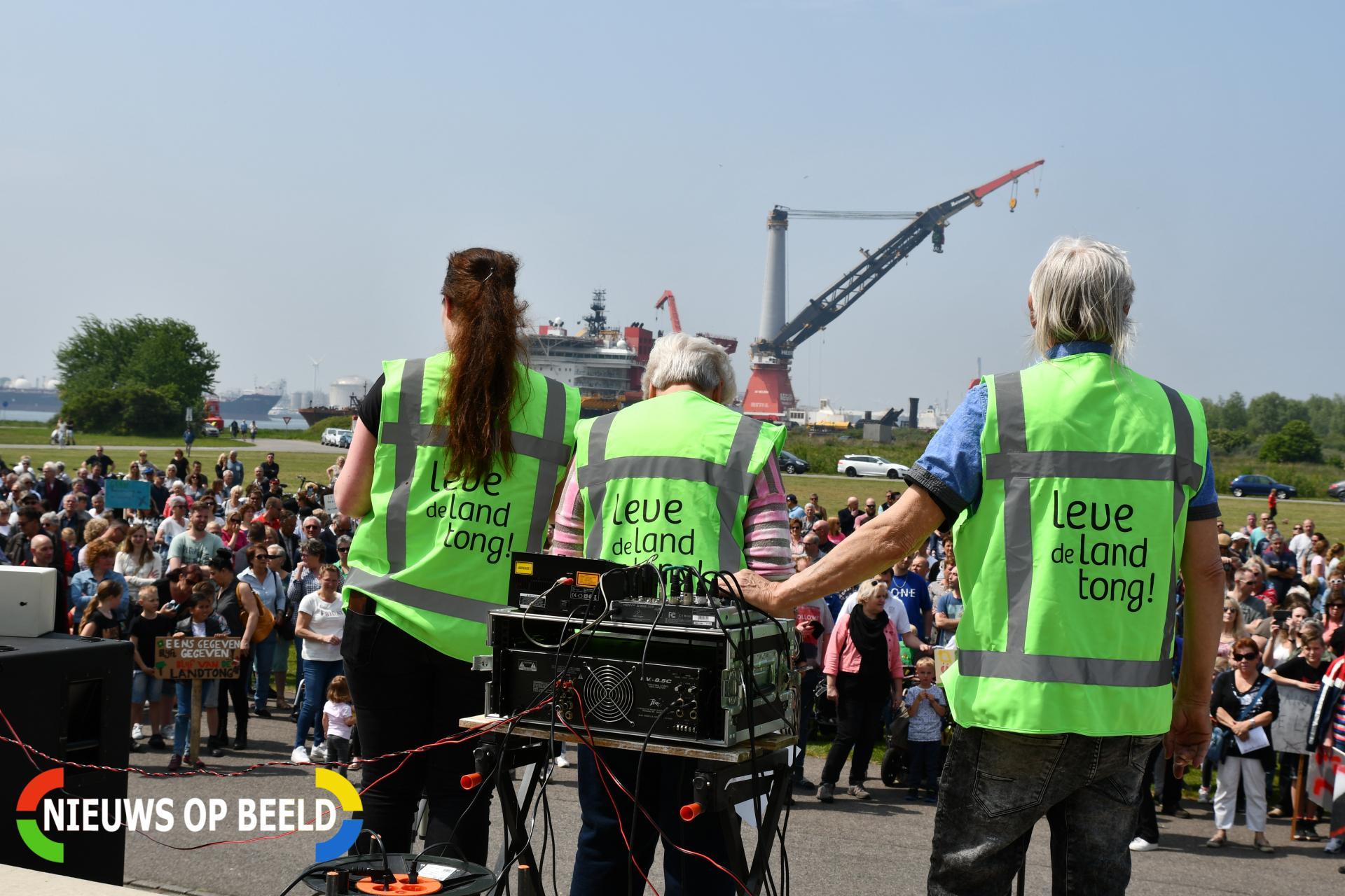 Demonstratie tegen distributiecentra Noordzeeweg Rozenburg