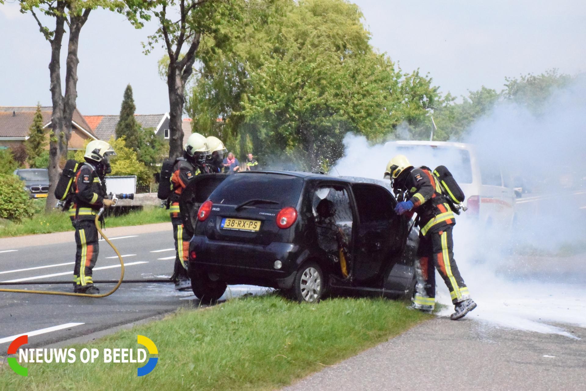 Auto vliegt in brand bij botsing met bestelbus Provincialeweg – N210 Bergambacht
