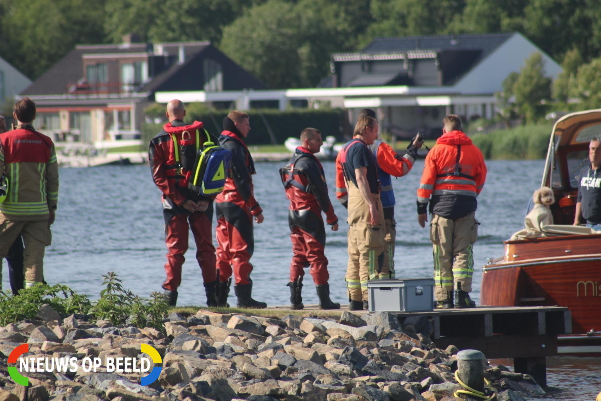 Vier personen omgeslagen bootje gered Veckhoekse Sluisweg Vierpolders