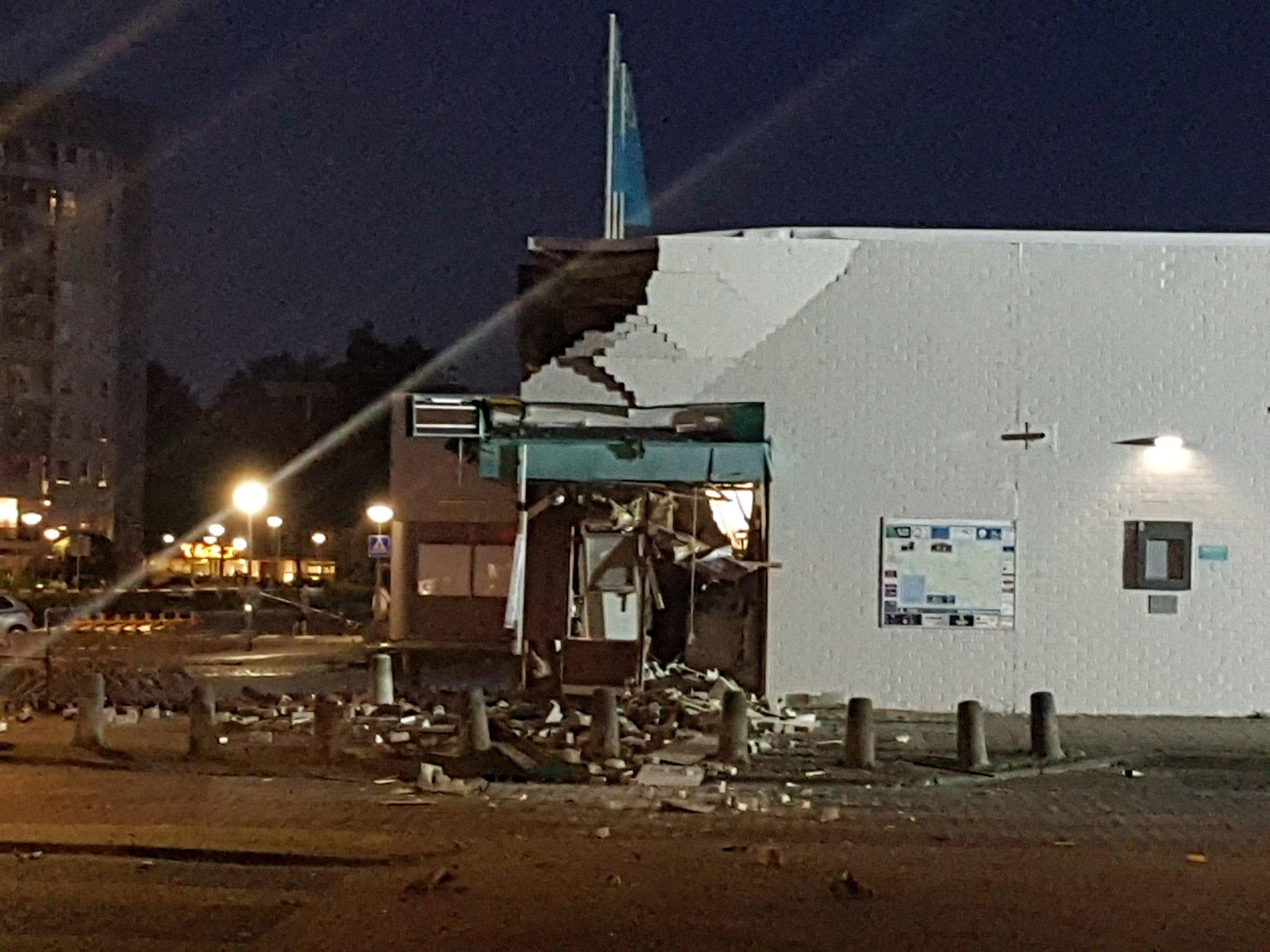 Gigantische schade na plofkraak AH WC Walburg Zwijndrecht