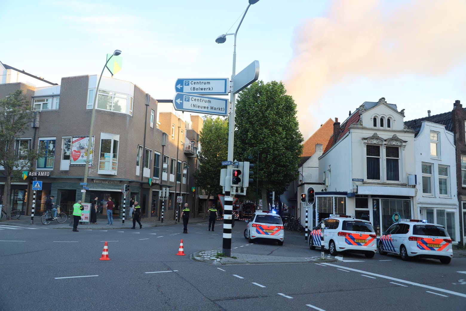 Grote brand in loungebar Mona Lisa