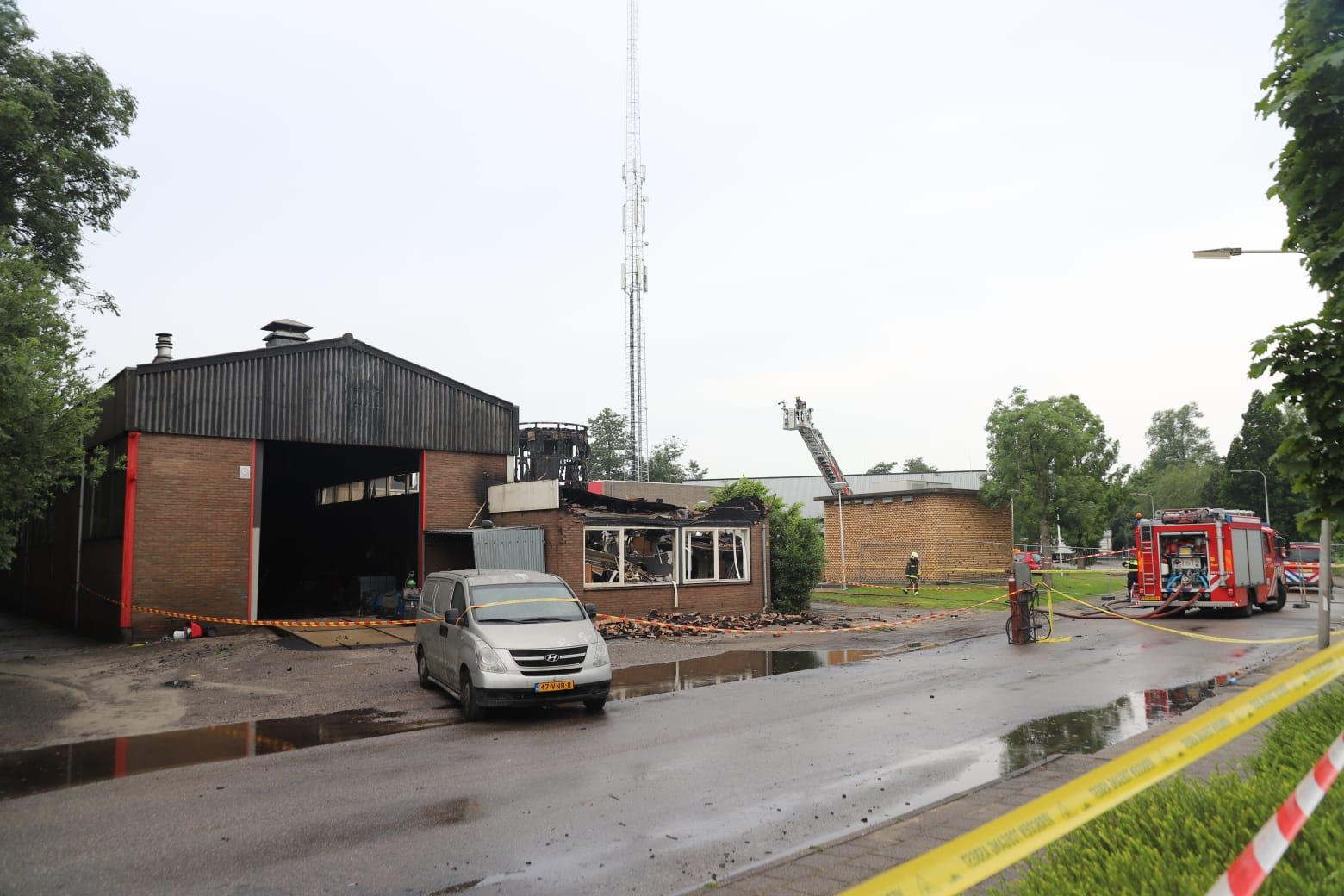 Geen asbest na grote brand Staringlaan Waddinxveen