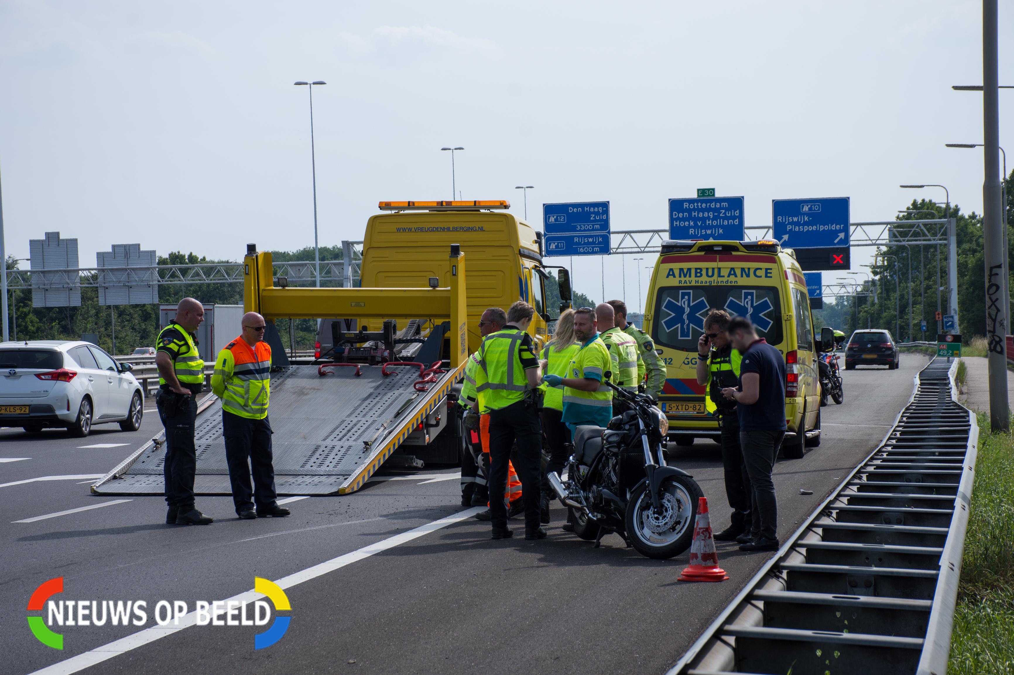 Motorrijder gewond na val op snelweg A4
