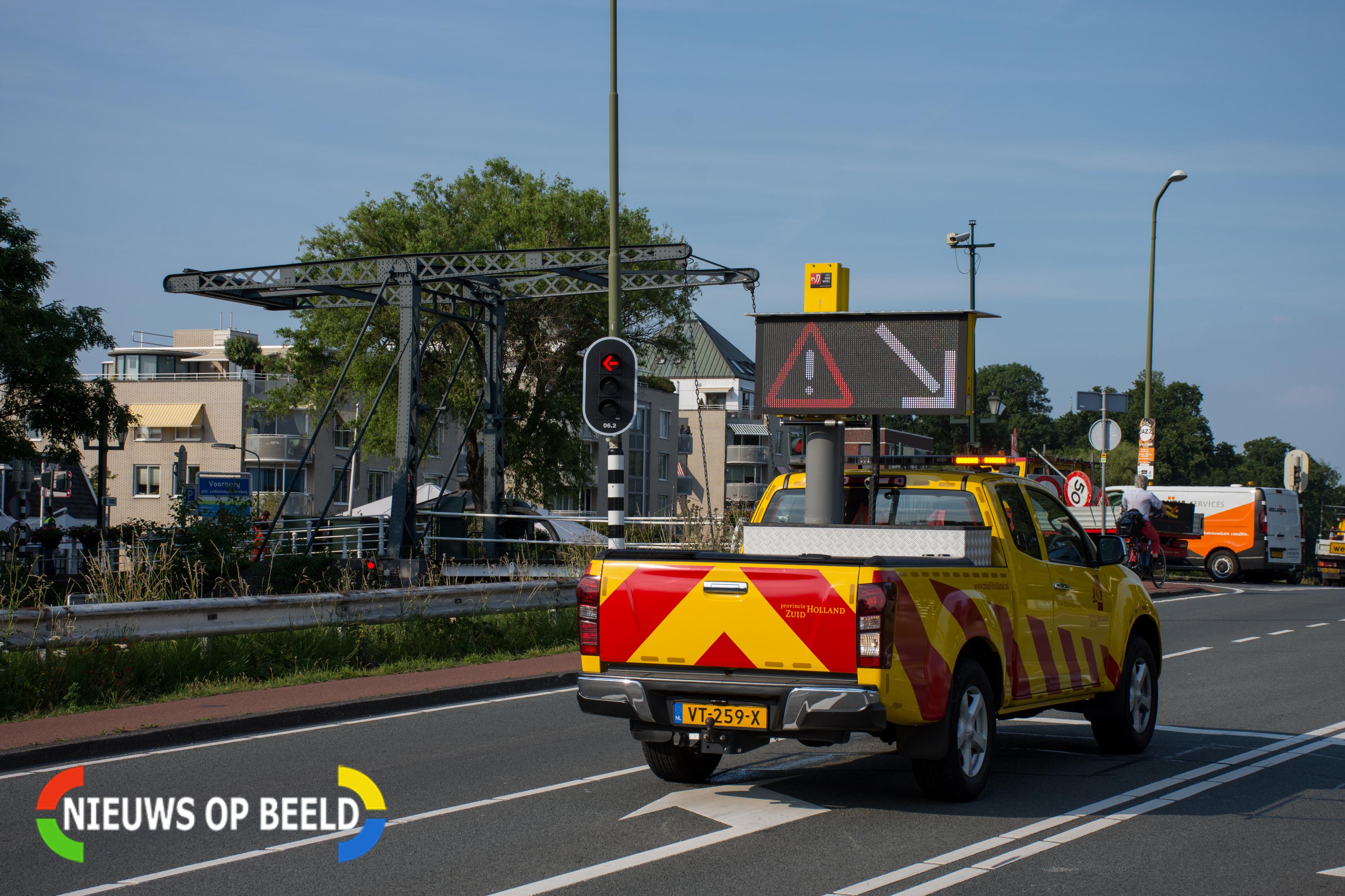 Kerkbrug in Voorburg urenlang gestremd door hitte