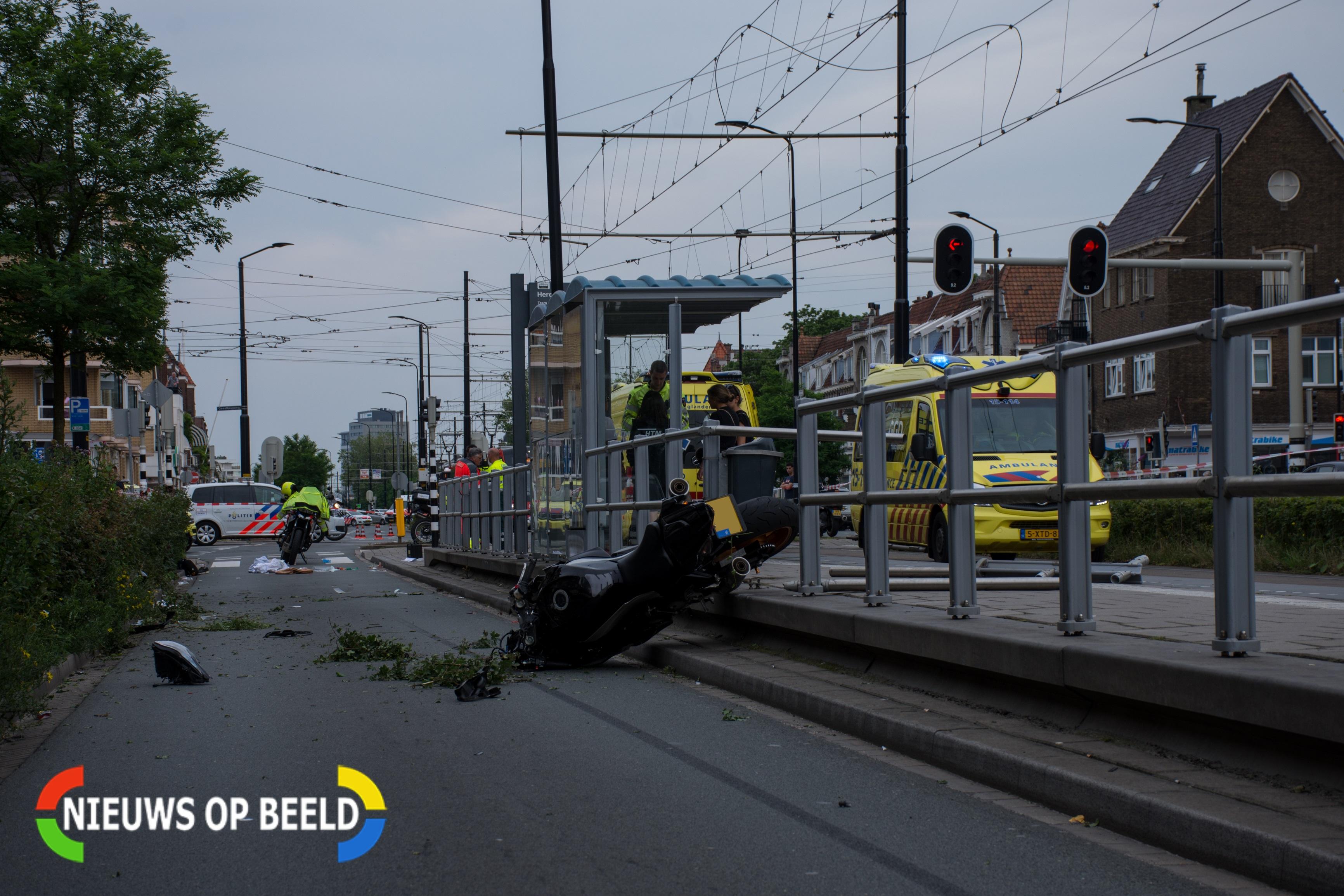 Voetganger overleden aan verwondingen na aanrijding met motor