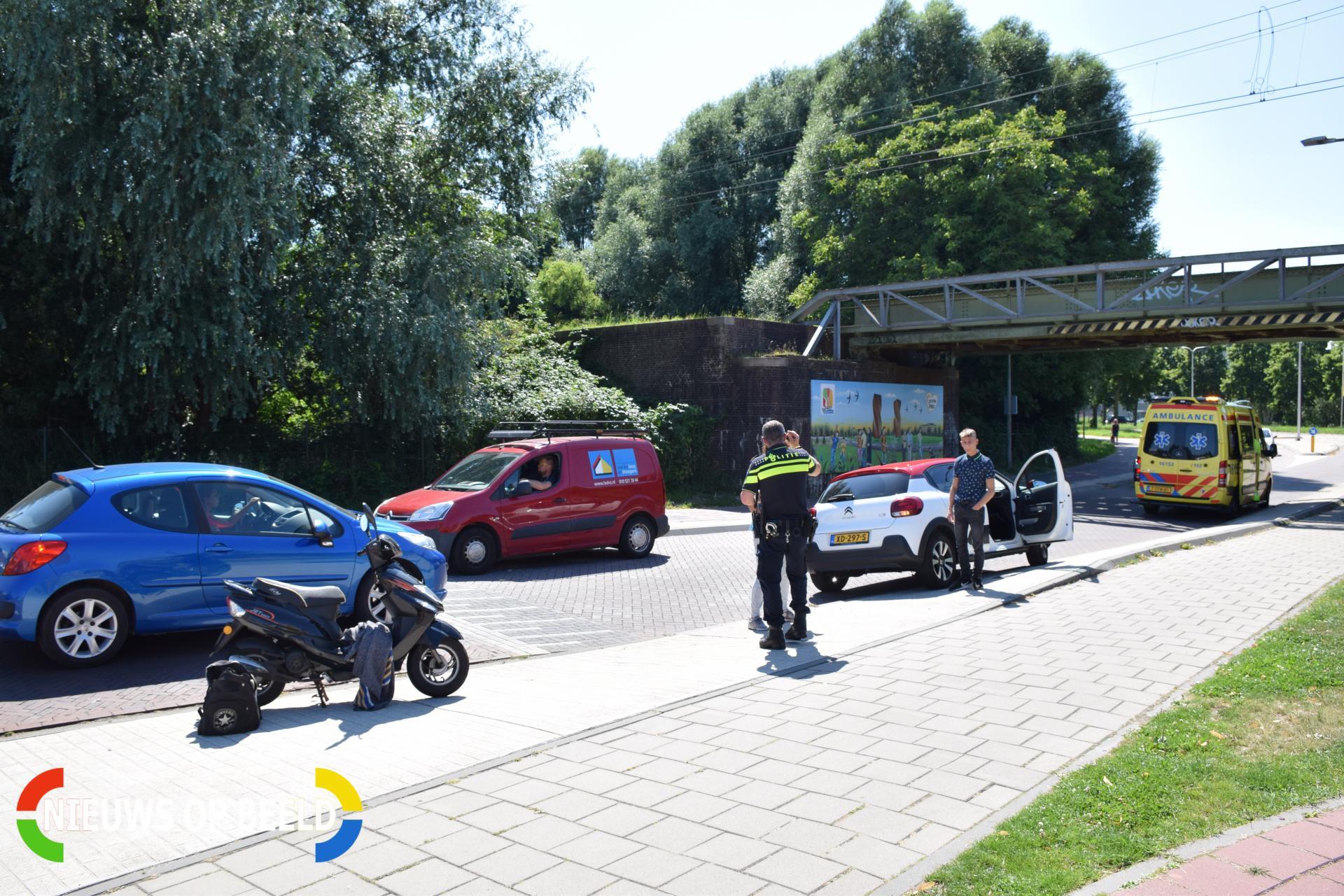 Scooterrijder gewond na aanrijding met auto Promenade Waddinxveen