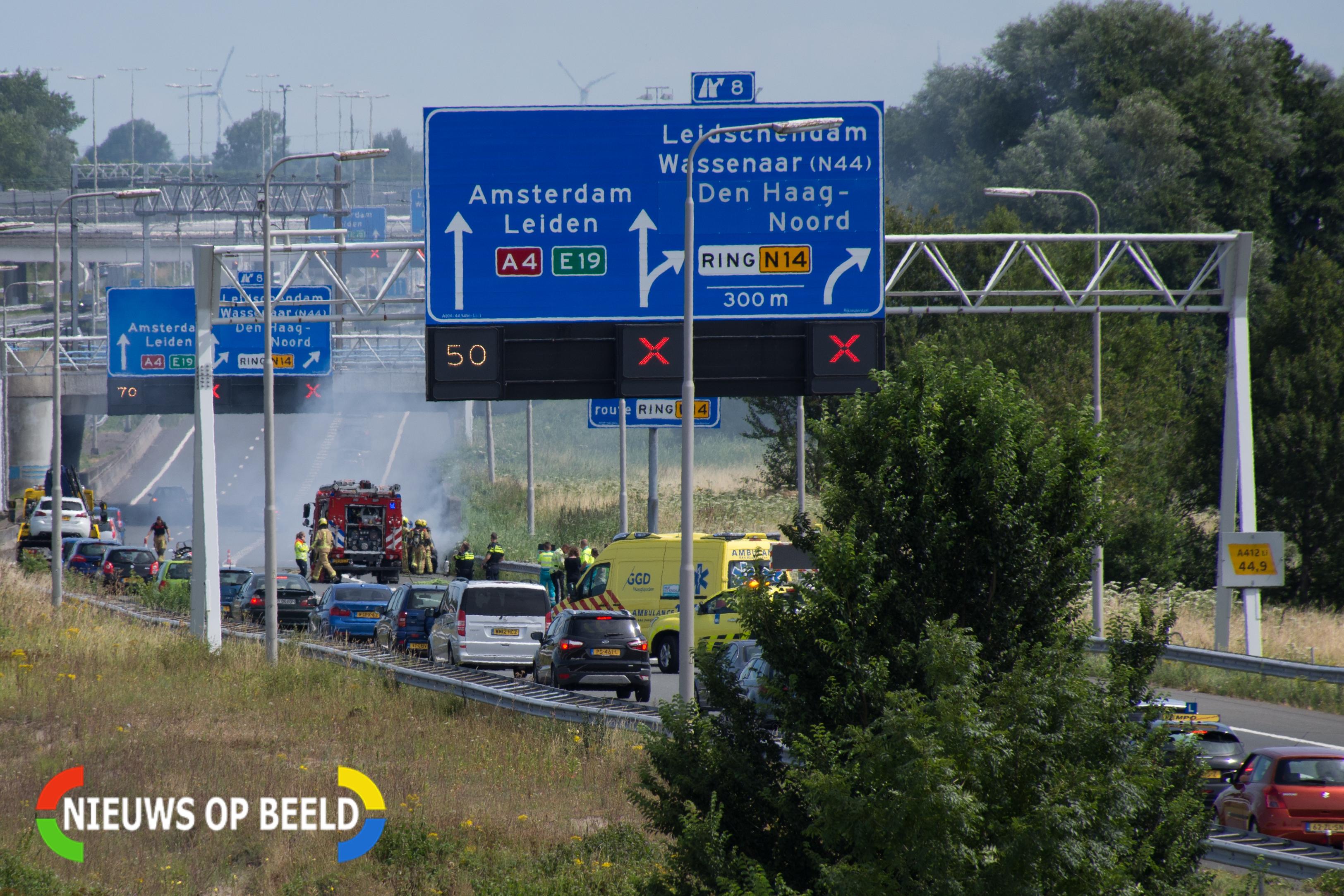 Politie bekeurt 117 bestuurders die rood kruis negeren bij autobrand op A4