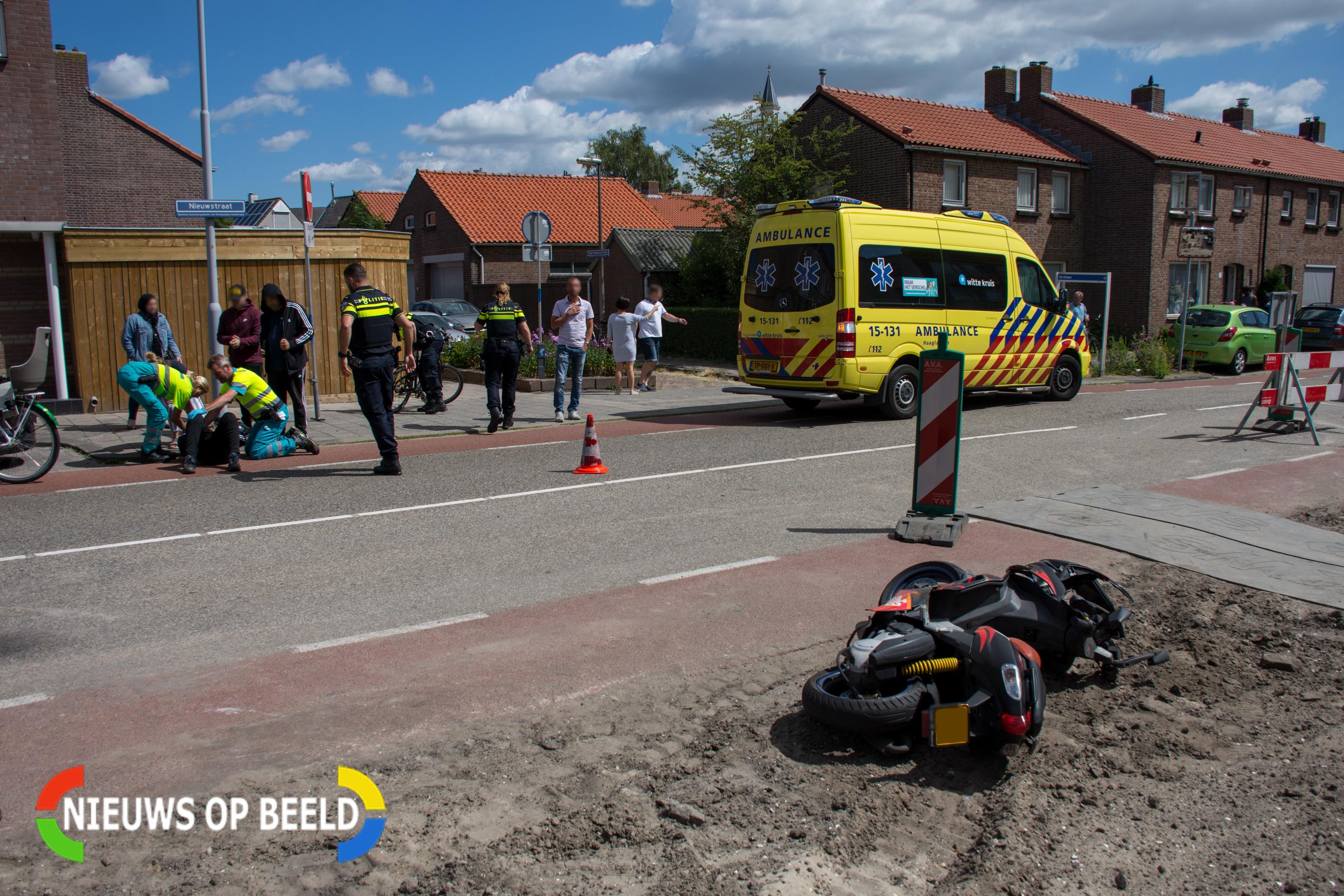 Scooterrijder aangereden door auto uit zijstraat Leidschendam
