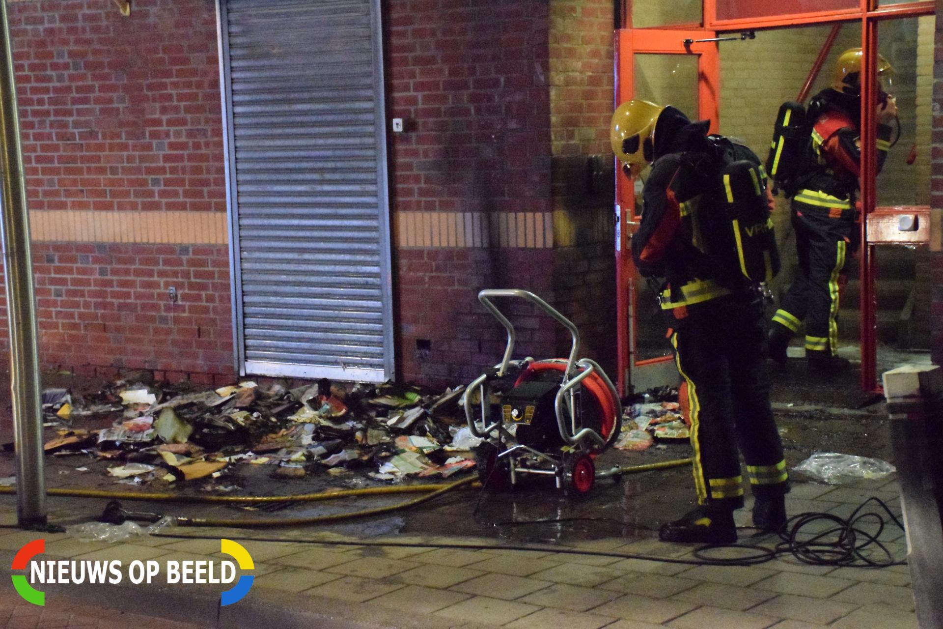 Brandend papier zorgt voor flinke schade Voorofscheweg Boskoop