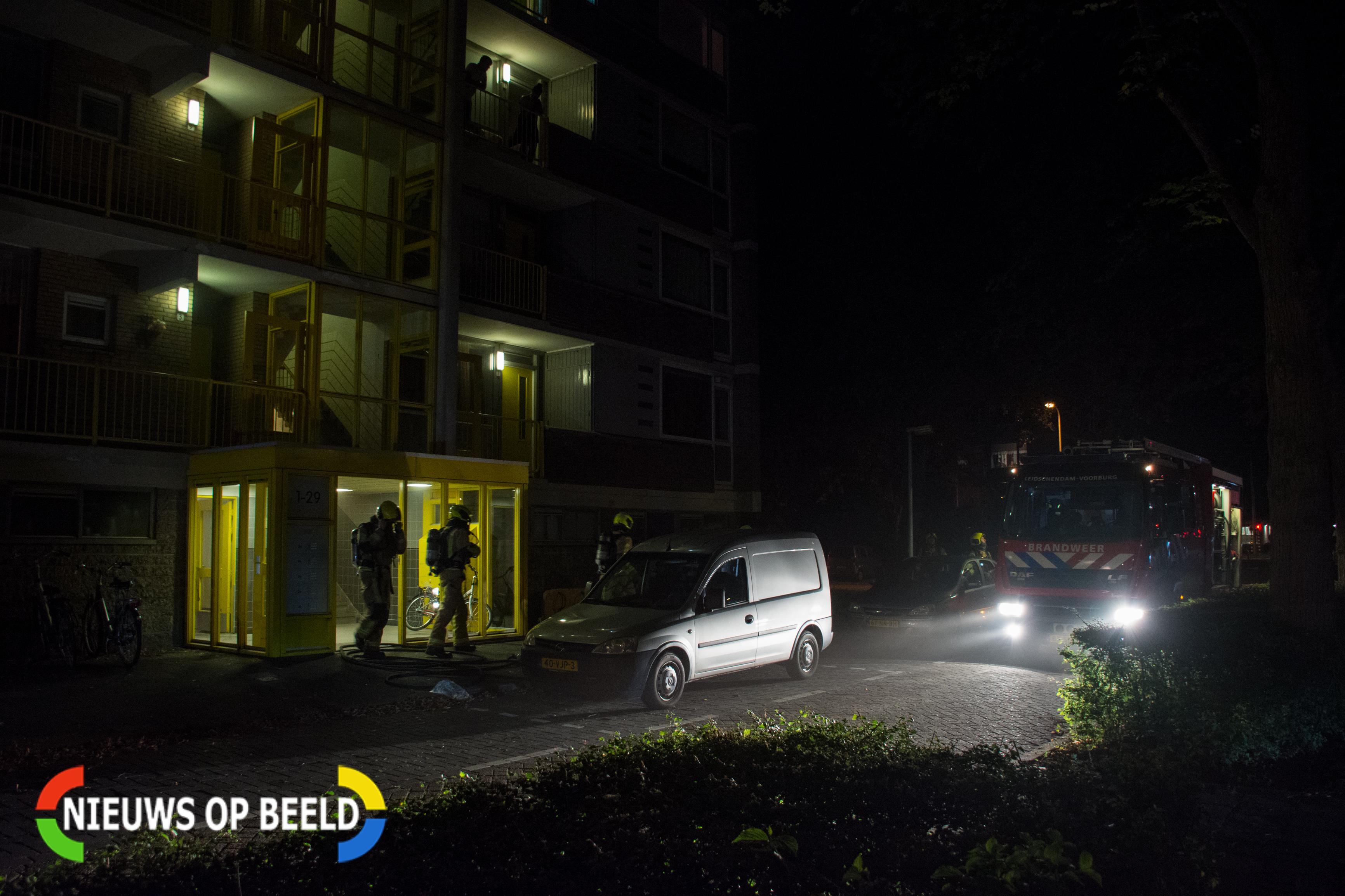 Portieken vol met rook na brand in kelderbox in Leidschendam