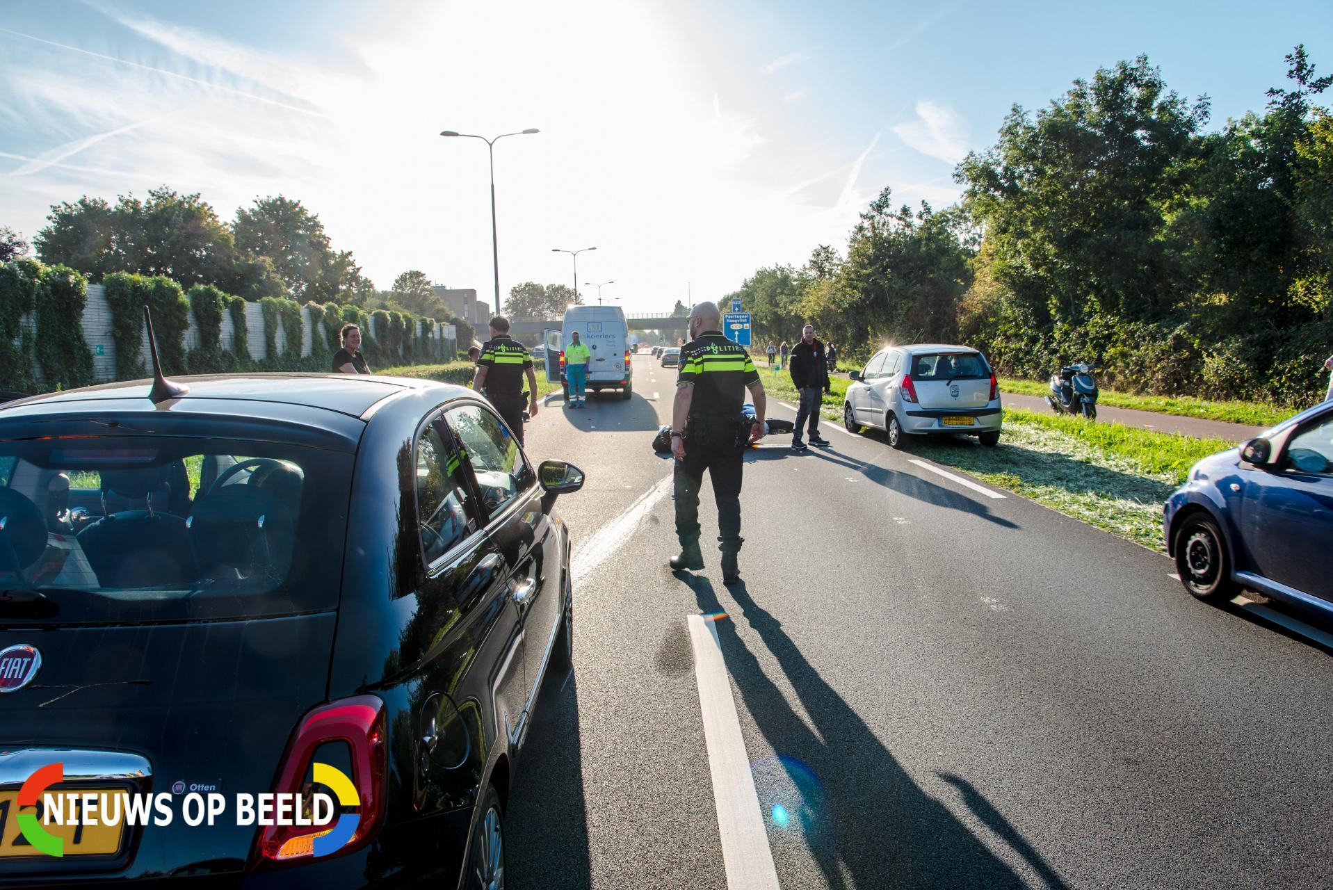 Motorrijder breekt pols na botsing met busje Groene Kruisweg – S102 Rhoon