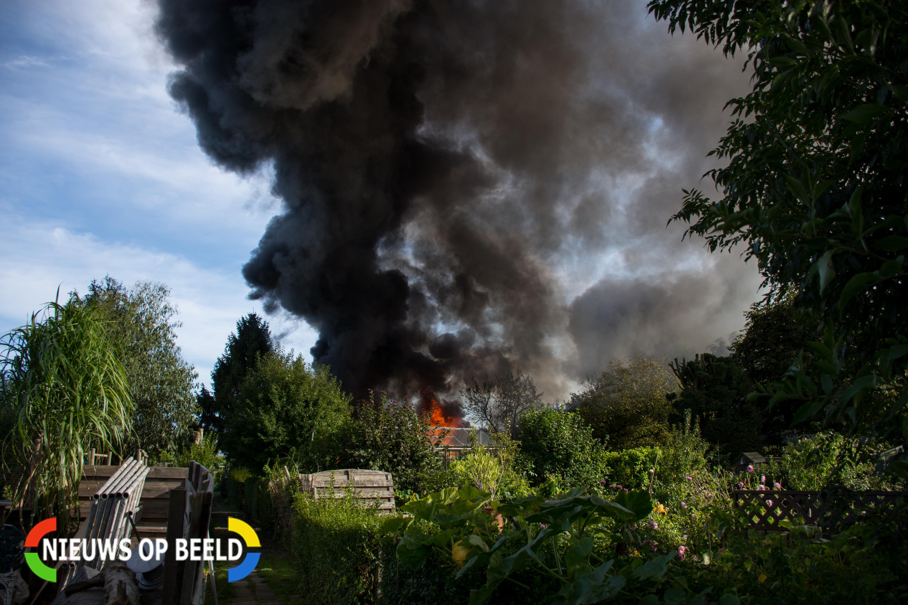 Forse brand in Leidschendamse volkstuintjes