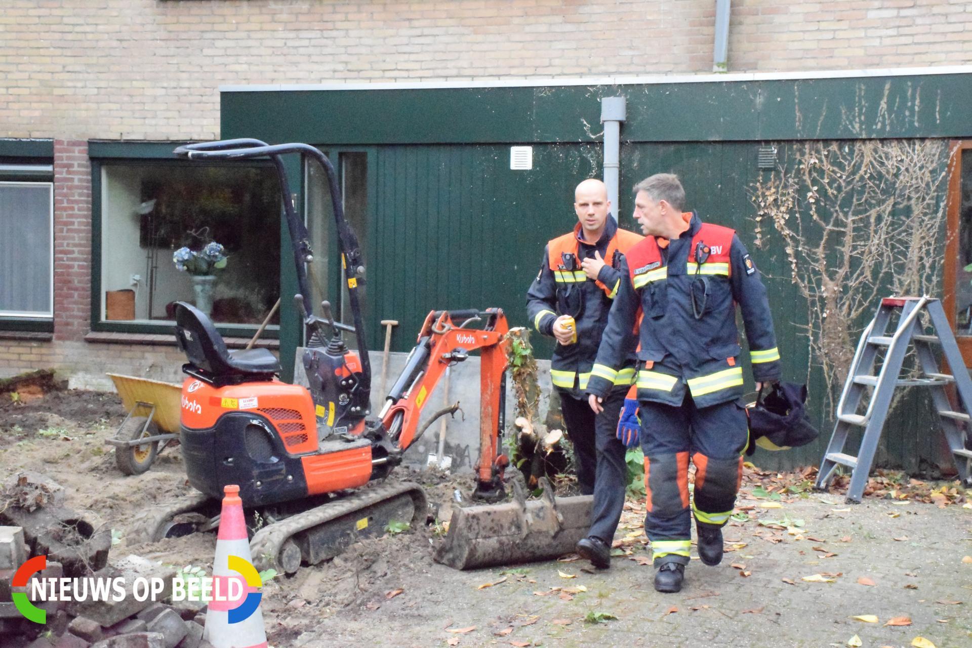 Minigraafmachine trek met boom gasleiding stuk De Wielewaal Zevenhuizen