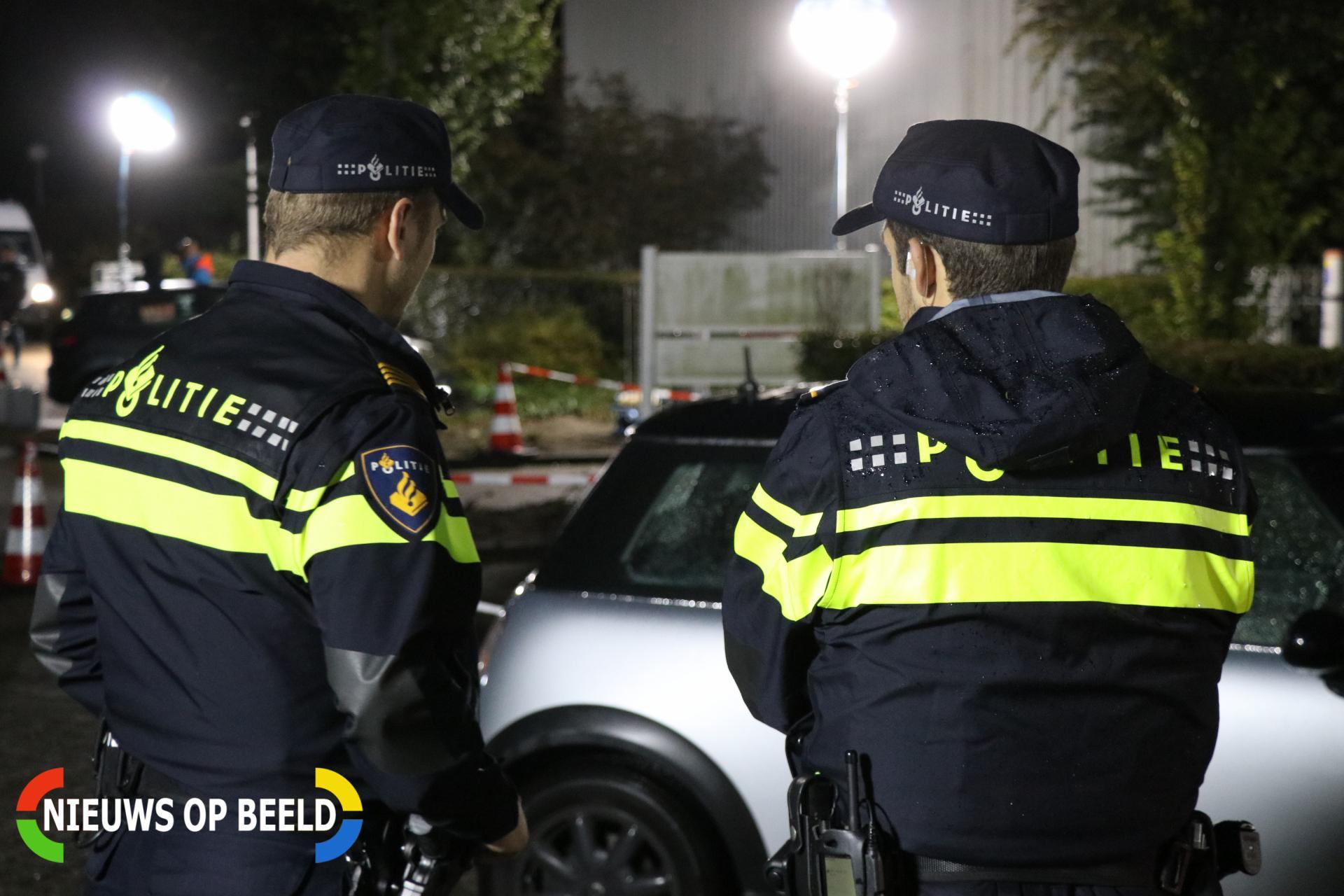 Deelnemer trouwstoet aangehouden na bespugen vrouw na ongeluk in Maasdijk