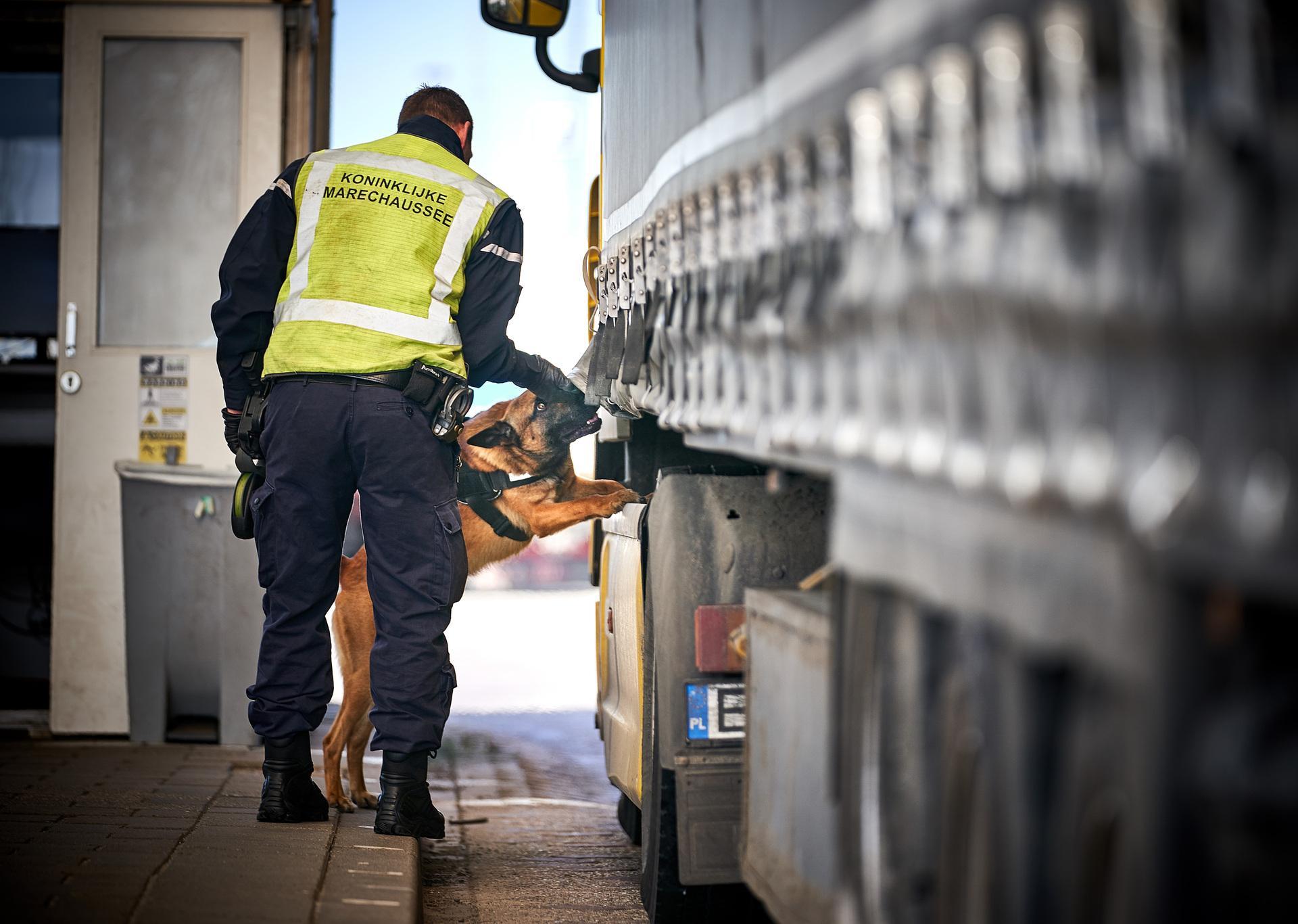 Vier Nederlandse verdachten aangehouden in internationaal mensensmokkelnetwerk