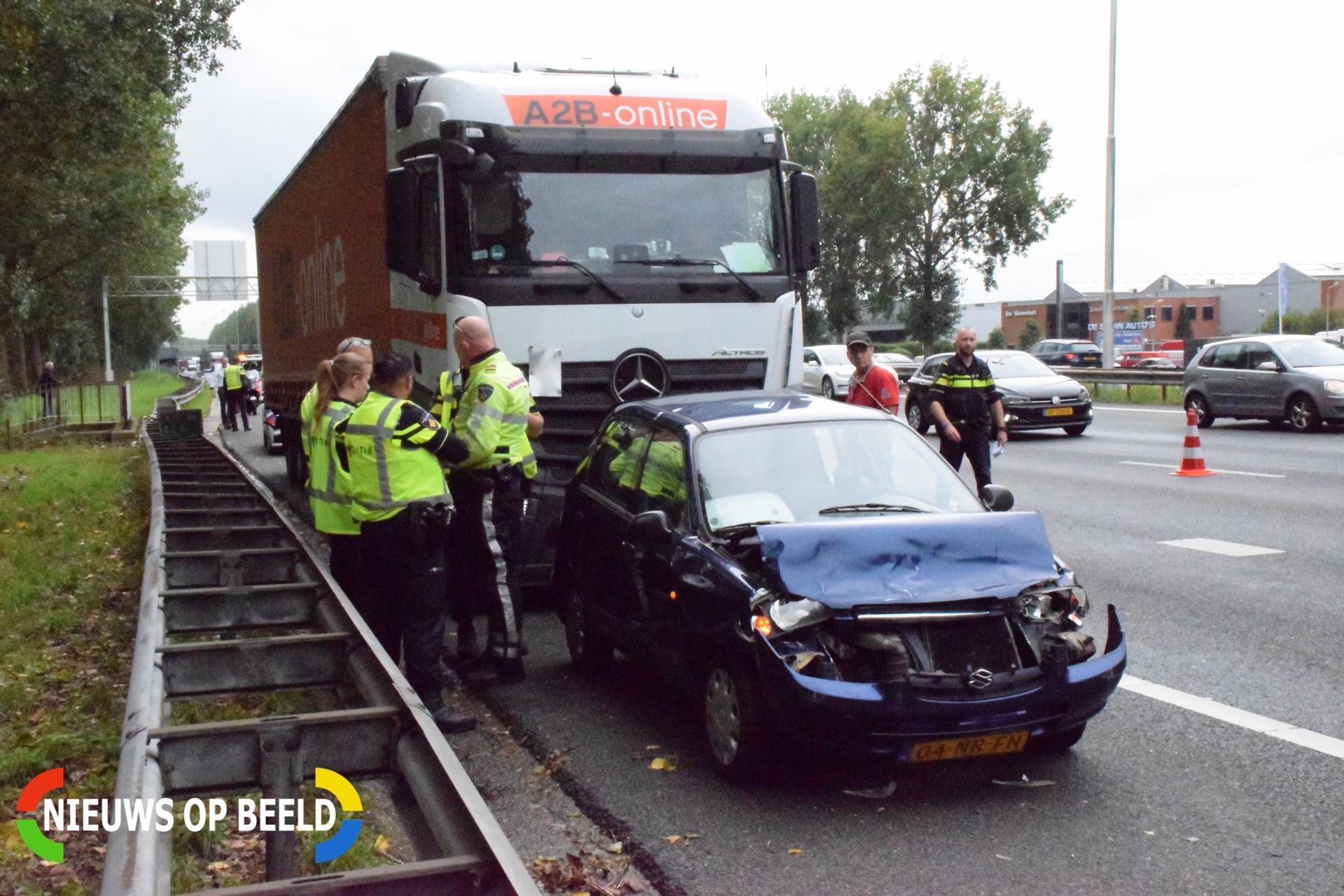 Meerdere voertuigen betrokken bij aanrijding Rijksweg A20 Nieuwerkerk aan den IJssel