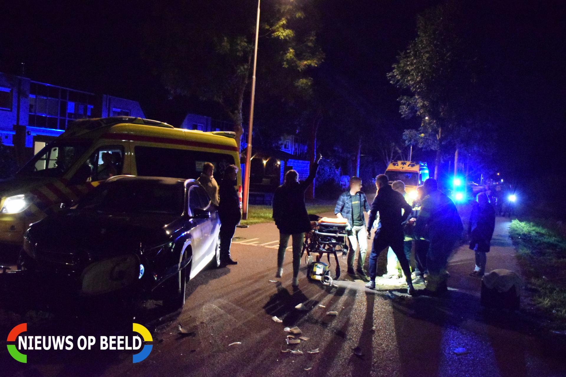 Brommer komt in botsing met auto, twee gewonden Tiendweg Krimpen aan de Lek