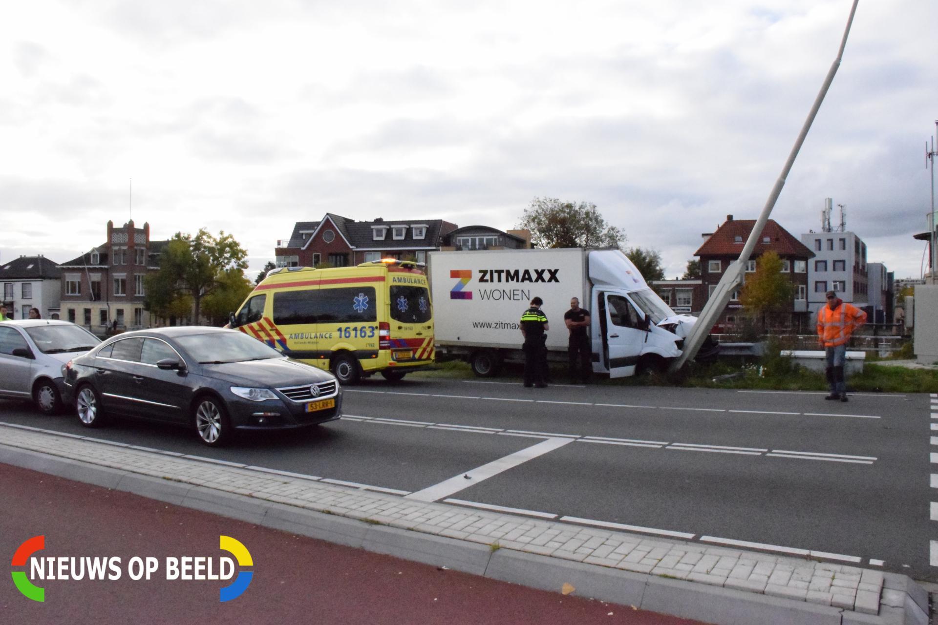Meerdere voertuigen flink beschadigd bij aanrijding Henegouwerweg – N207 Waddinxveen