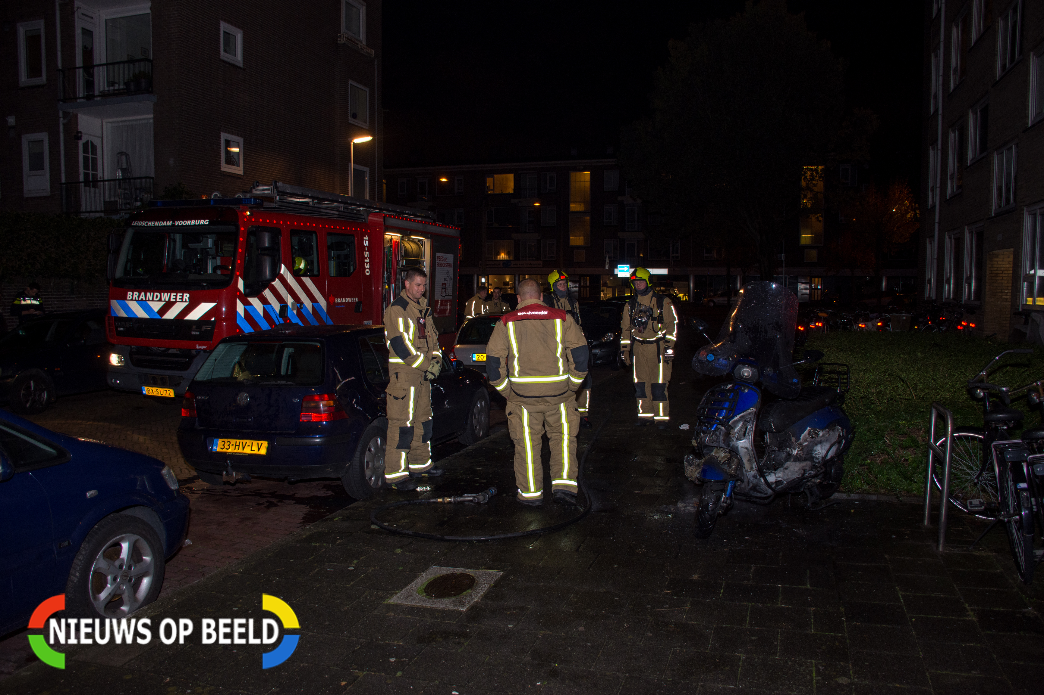 Scooter in brand gestoken in Van Everdingenstraat in Voorburg